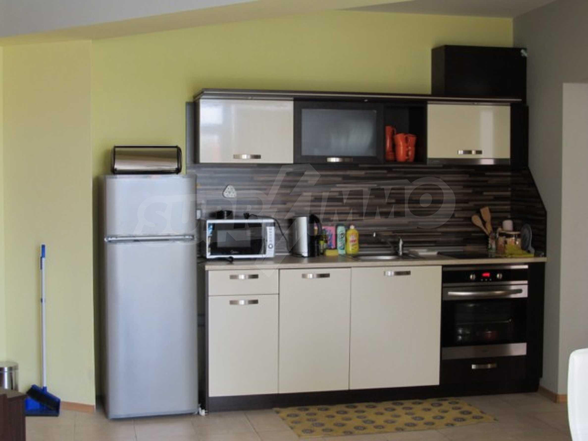 Тристаен апартамент за продажба в Поморие 5