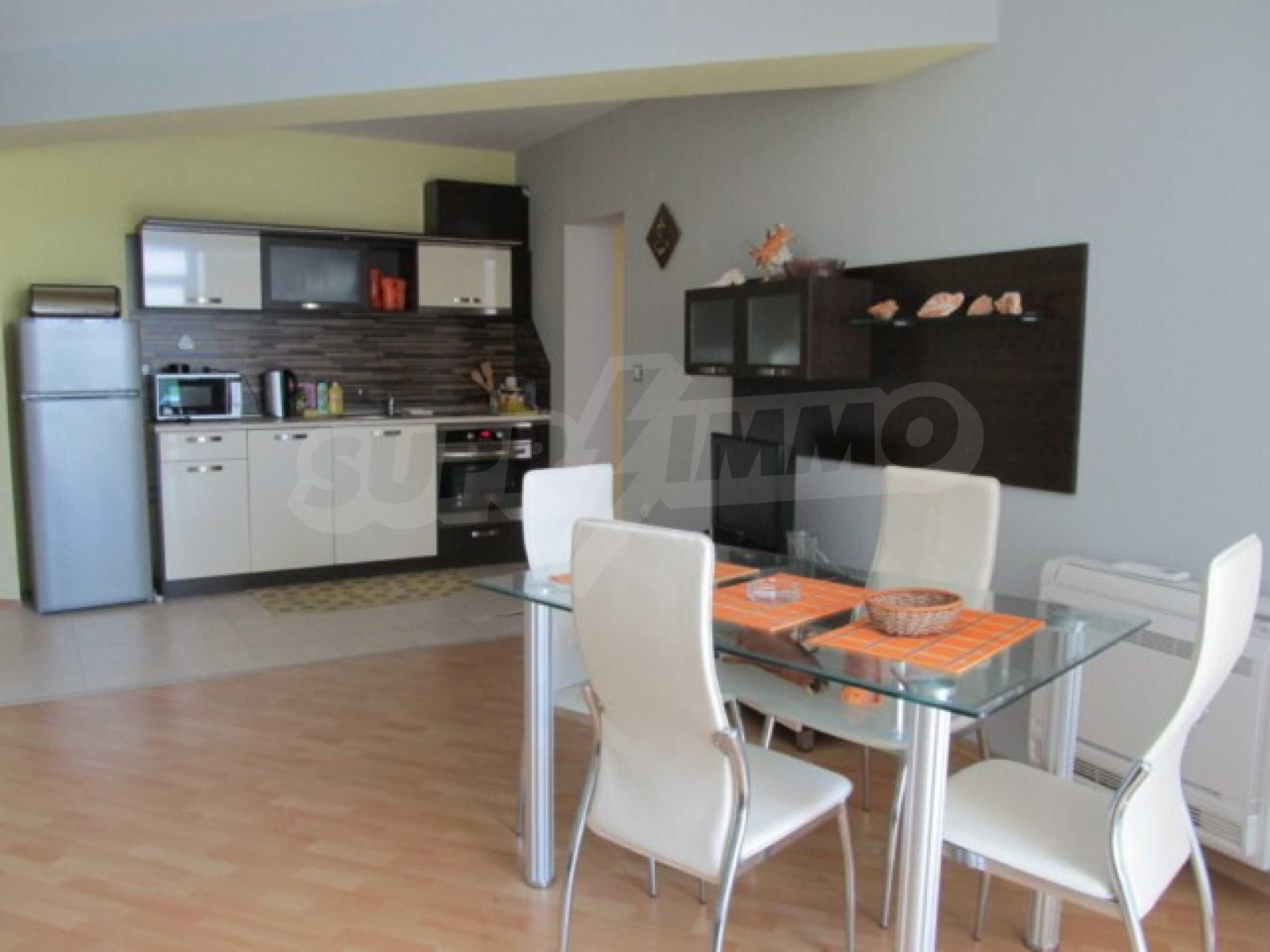 Тристаен апартамент за продажба в Поморие 6