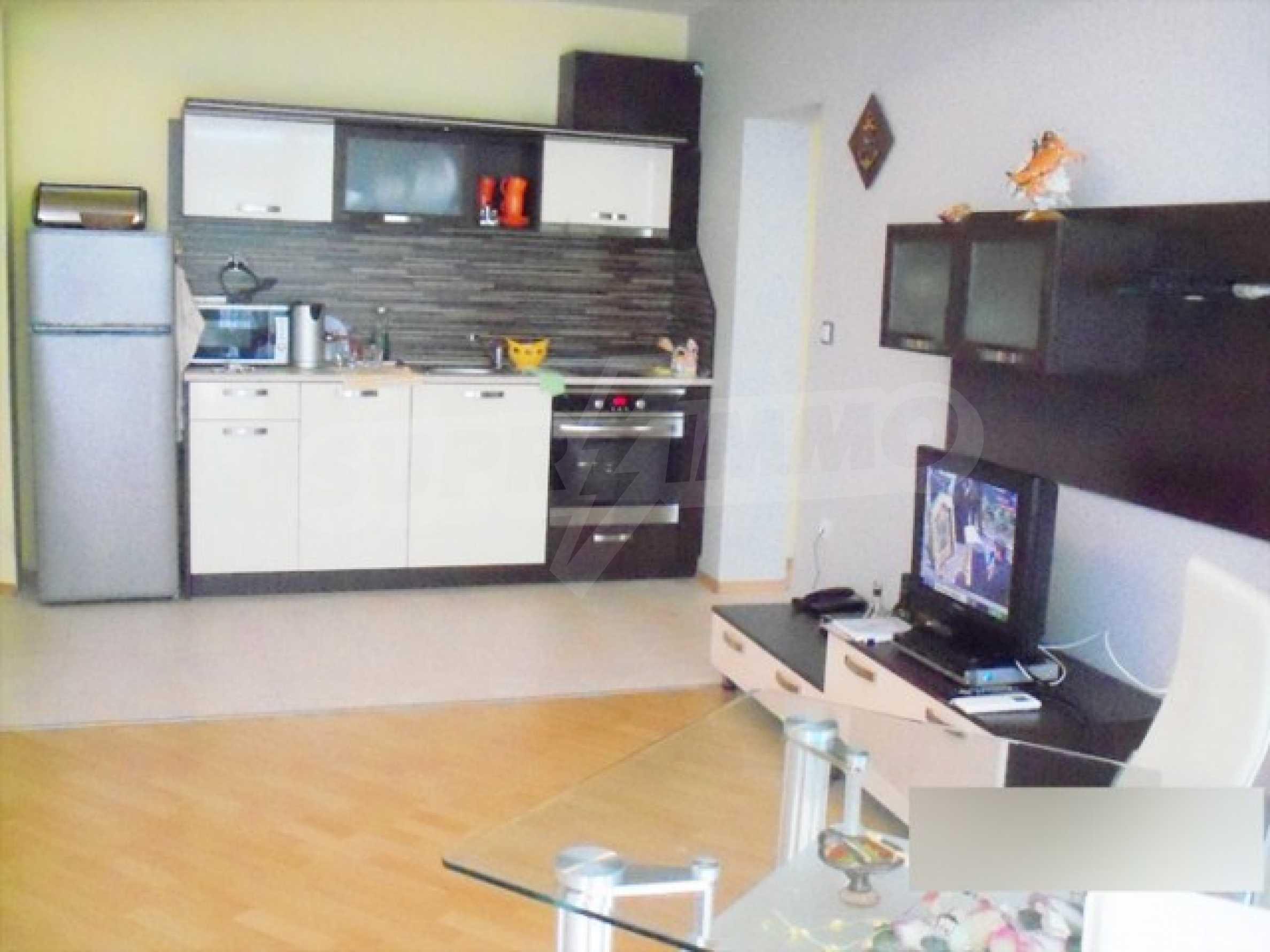 Тристаен апартамент за продажба в Поморие 8