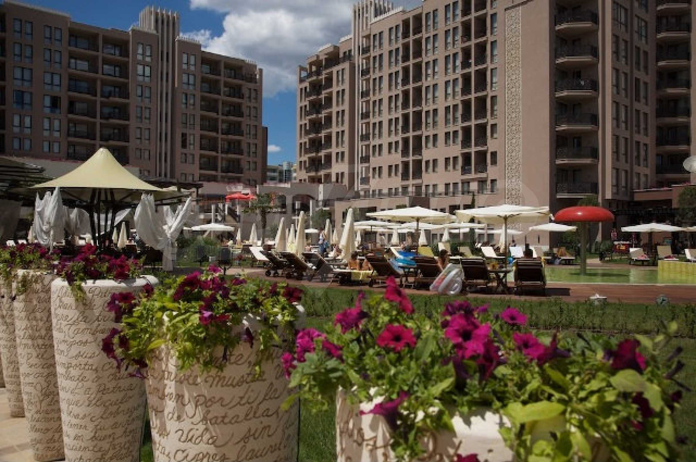 One-bedroom apartment in Royal Beach Barcelo complex in Sunny Beach 2