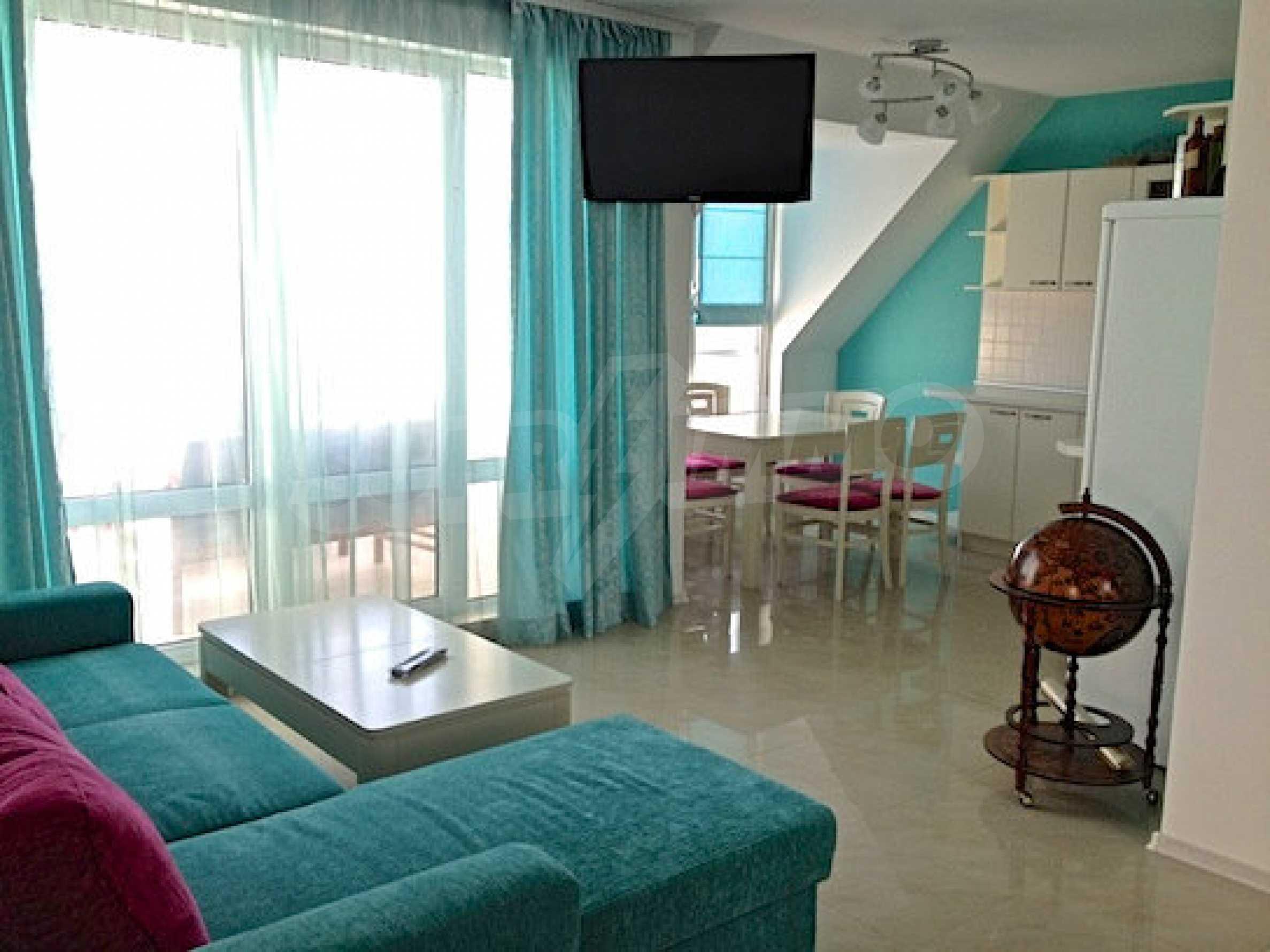 Zwei-Zimmer-Wohnung in einem Komplex 50 Meter vom Meer entfernt