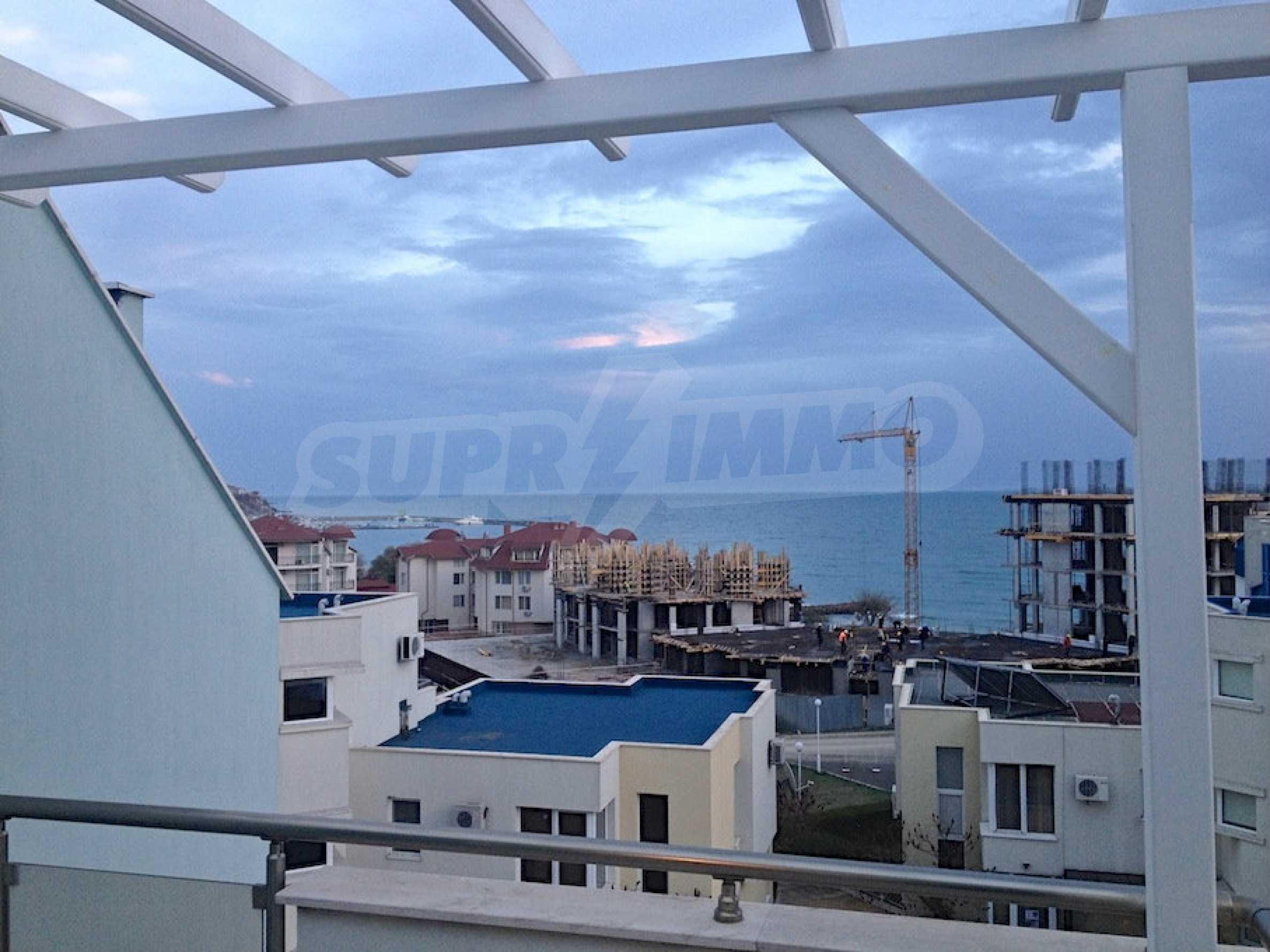 Zwei-Zimmer-Wohnung in einem Komplex 50 Meter vom Meer entfernt 12