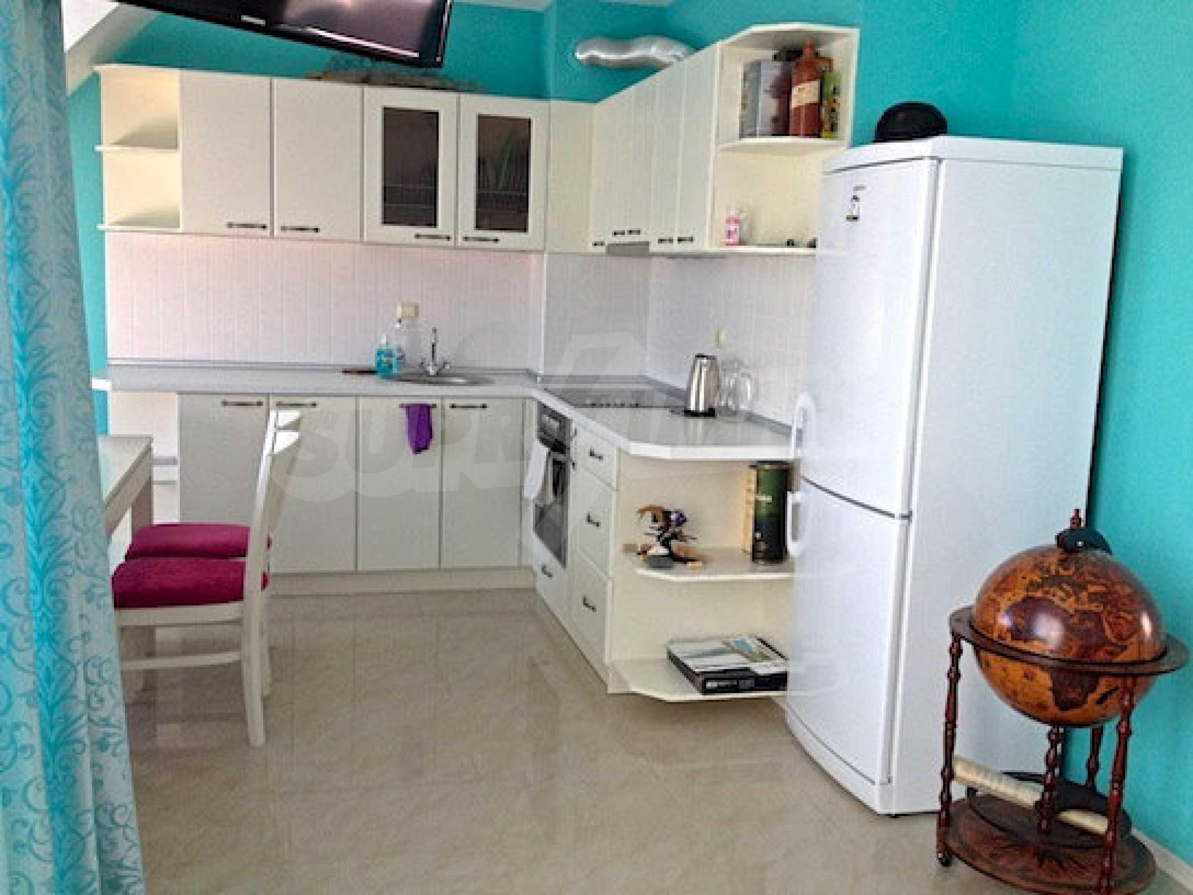 Zwei-Zimmer-Wohnung in einem Komplex 50 Meter vom Meer entfernt 2