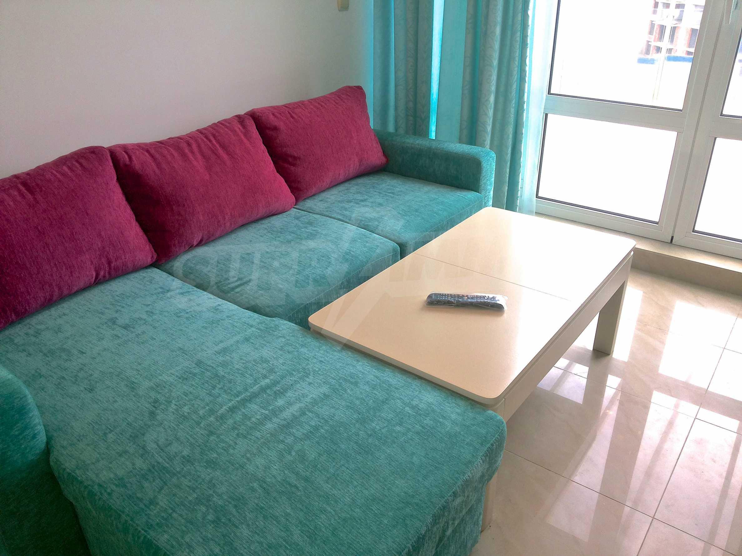 Zwei-Zimmer-Wohnung in einem Komplex 50 Meter vom Meer entfernt 3