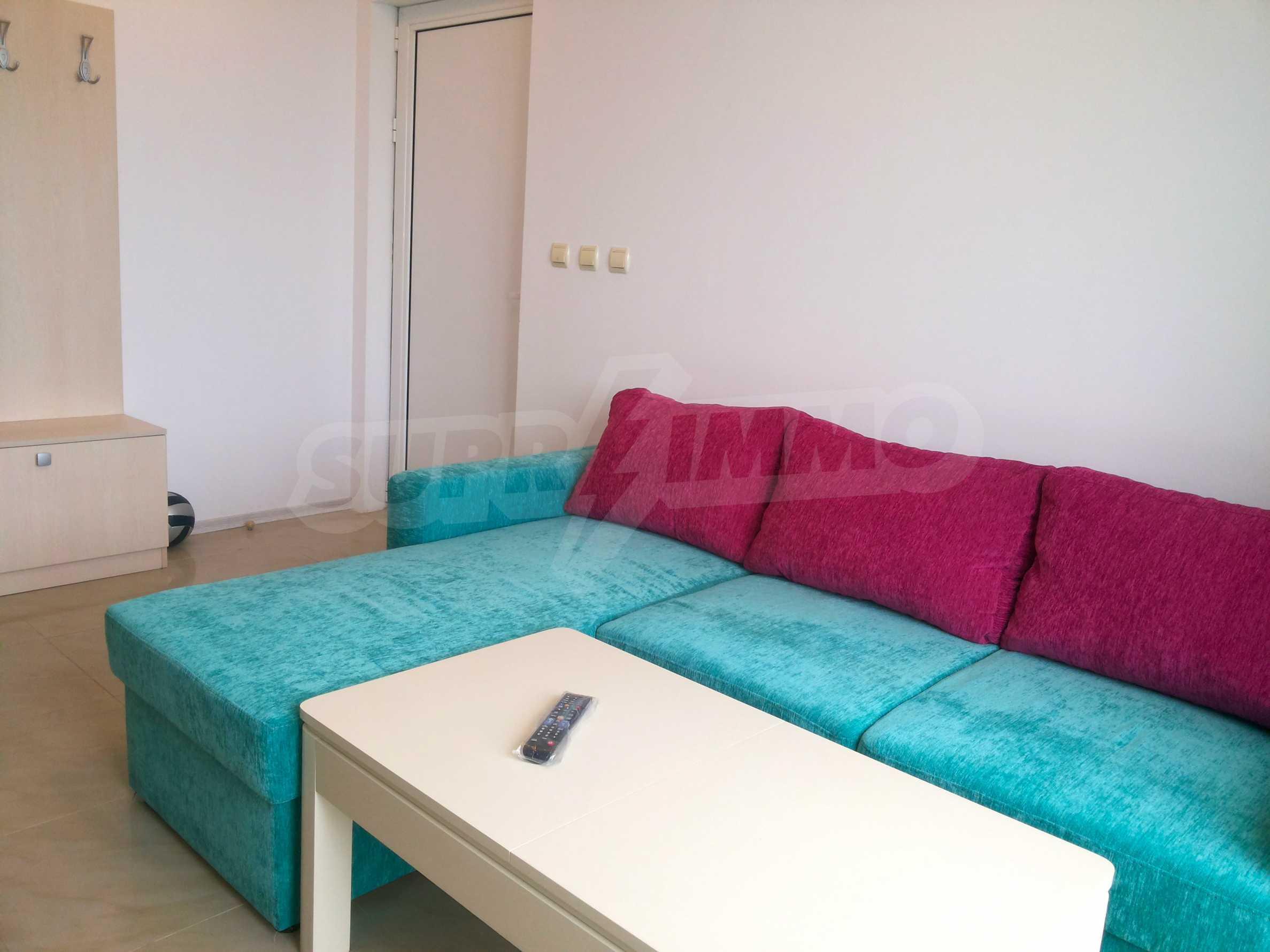 Zwei-Zimmer-Wohnung in einem Komplex 50 Meter vom Meer entfernt 4