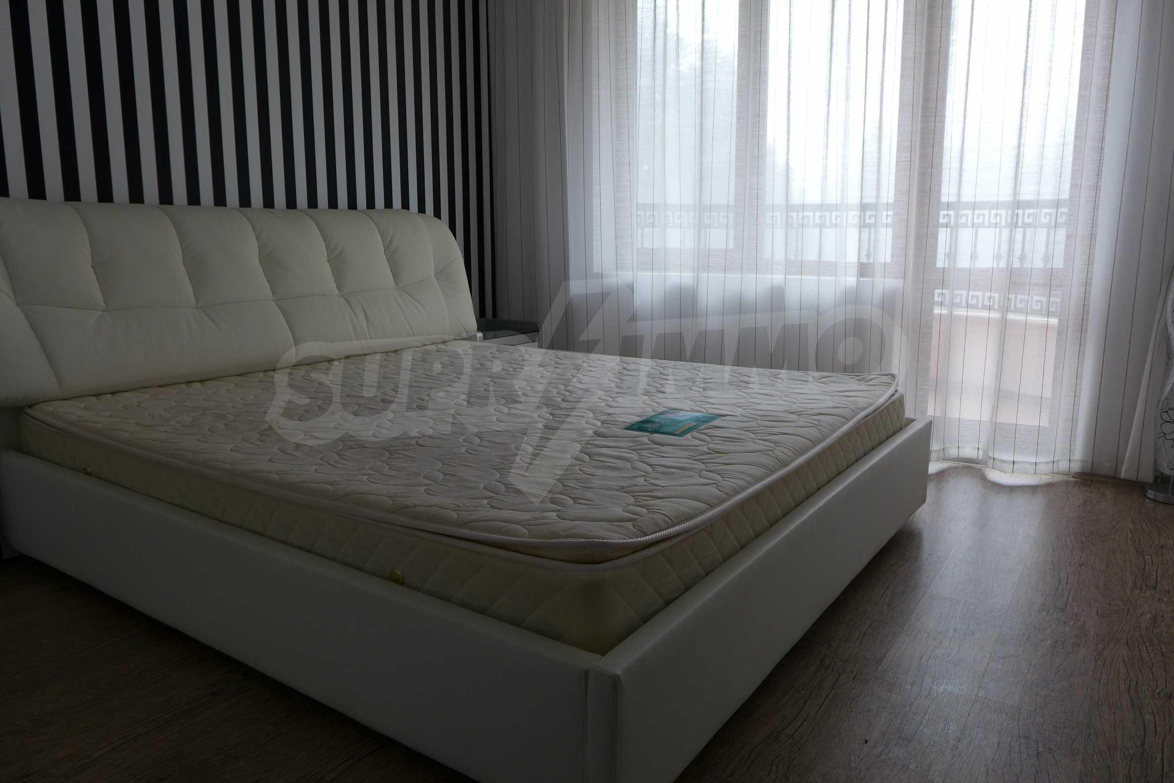 Luxus-Apartment mit einem Schlafzimmer in Rich Komplex 8