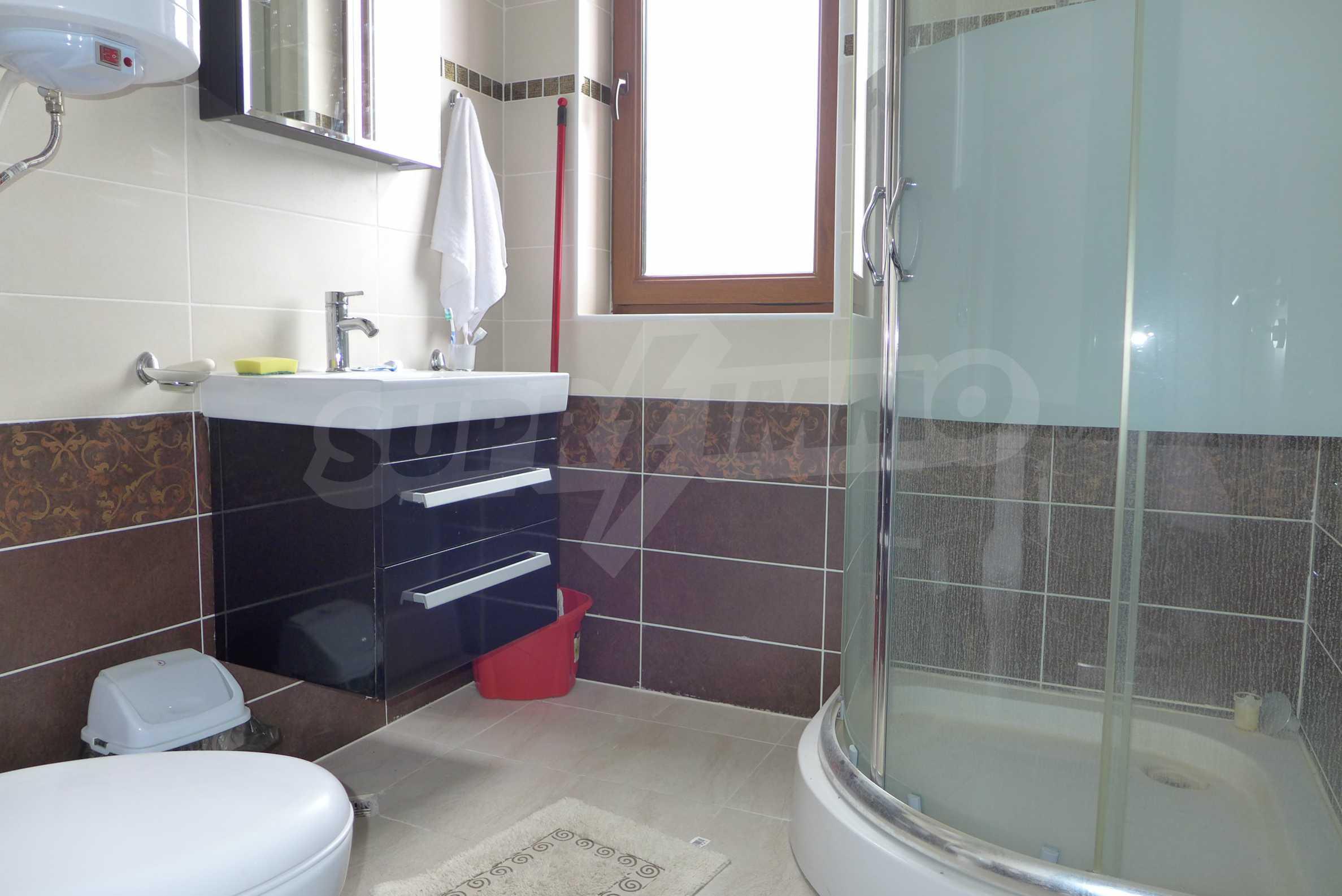 Möblierte Wohnung mit einem Schlafzimmer in Rich Komplex 10