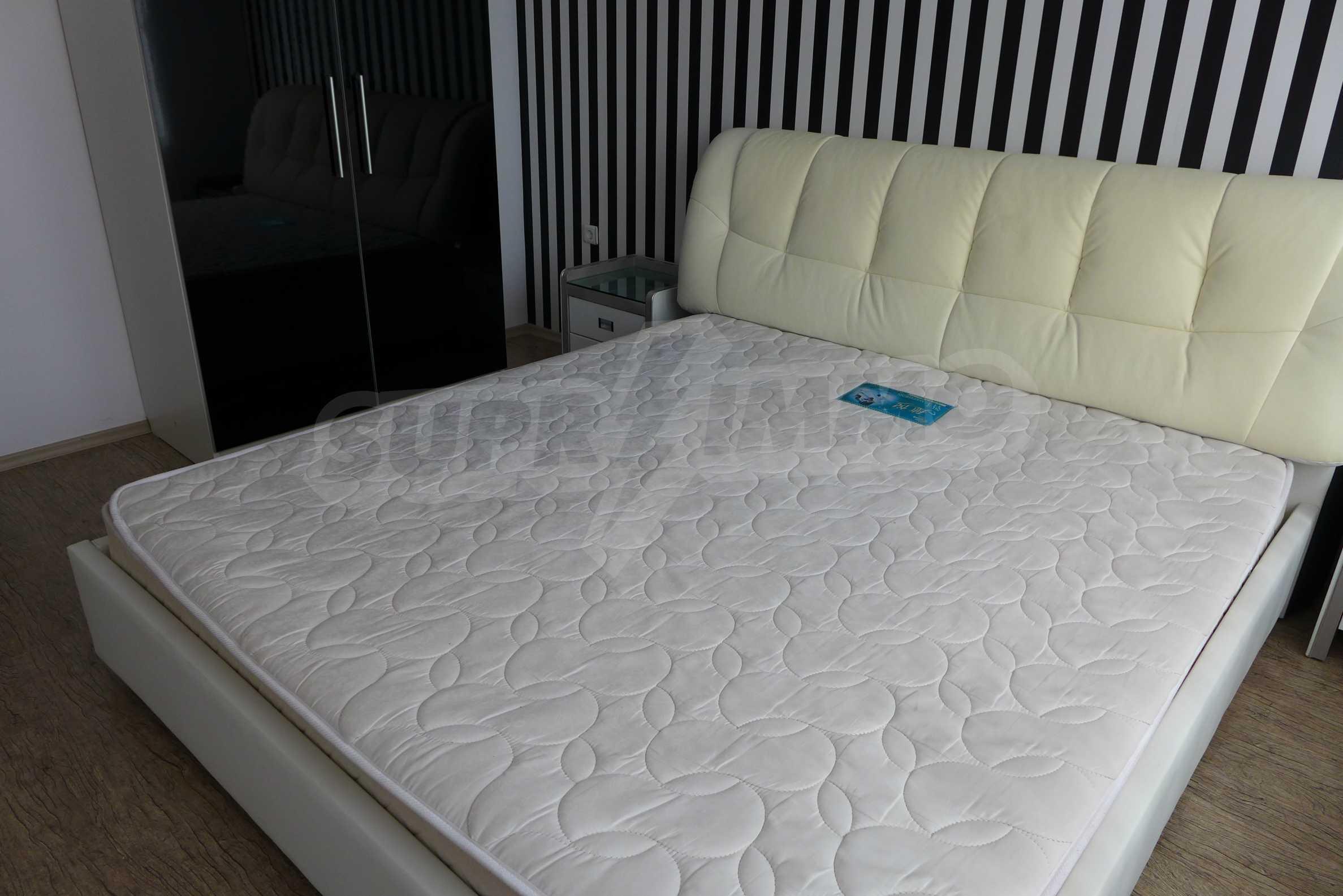 Luxus-Apartment mit zwei Schlafzimmern in Rich Komplex 10