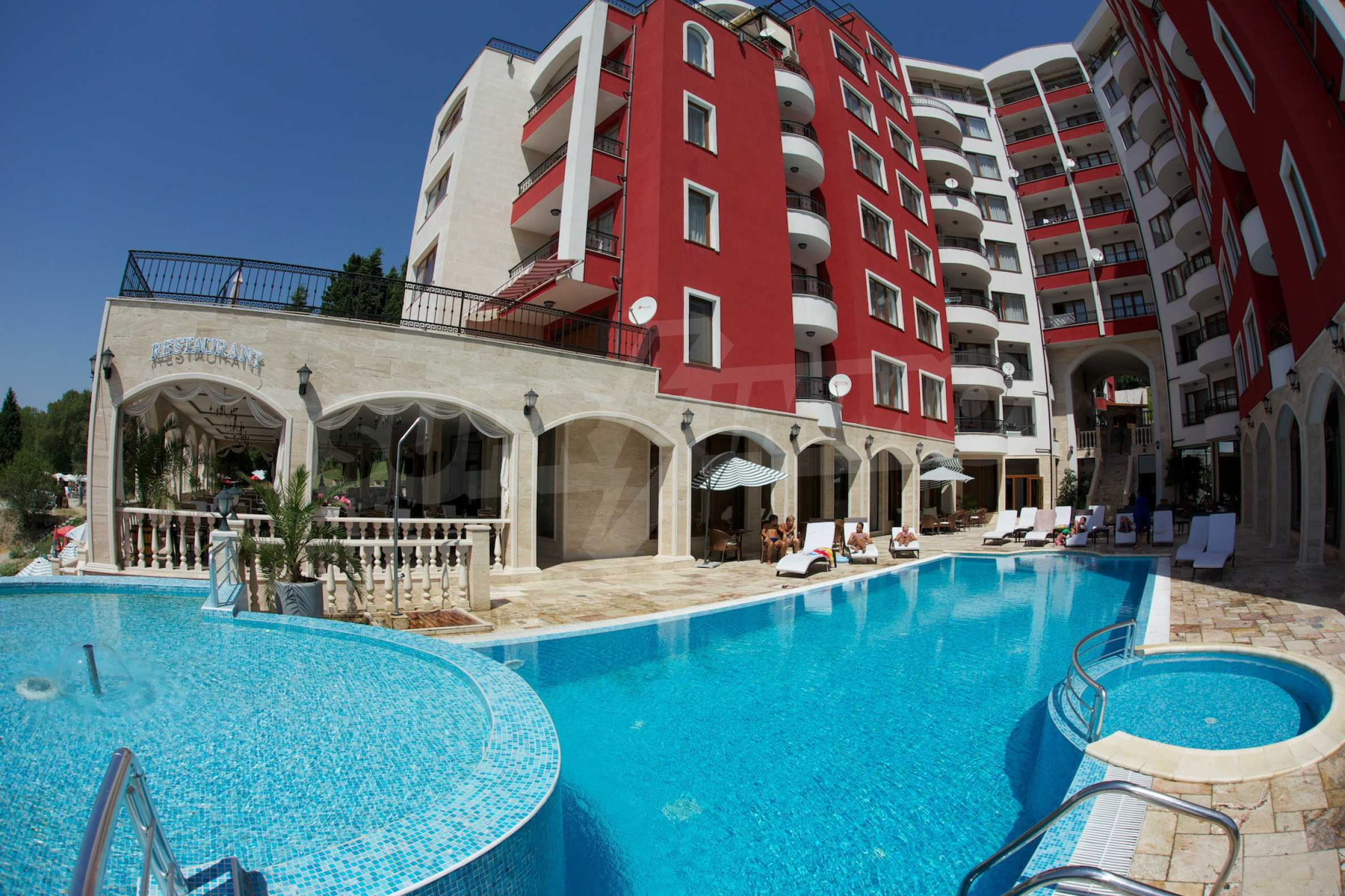 Luxus-Apartment mit zwei Schlafzimmern in Rich Komplex 27