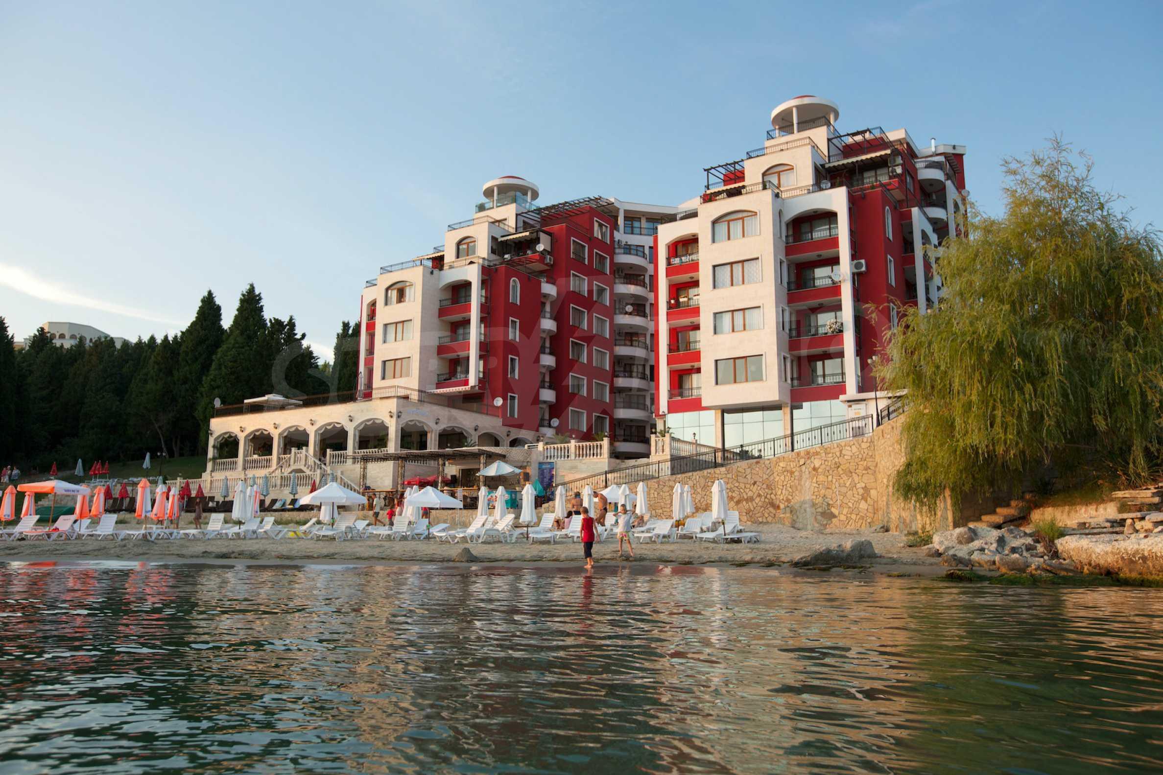 Luxus-Apartment mit zwei Schlafzimmern in Rich Komplex 30