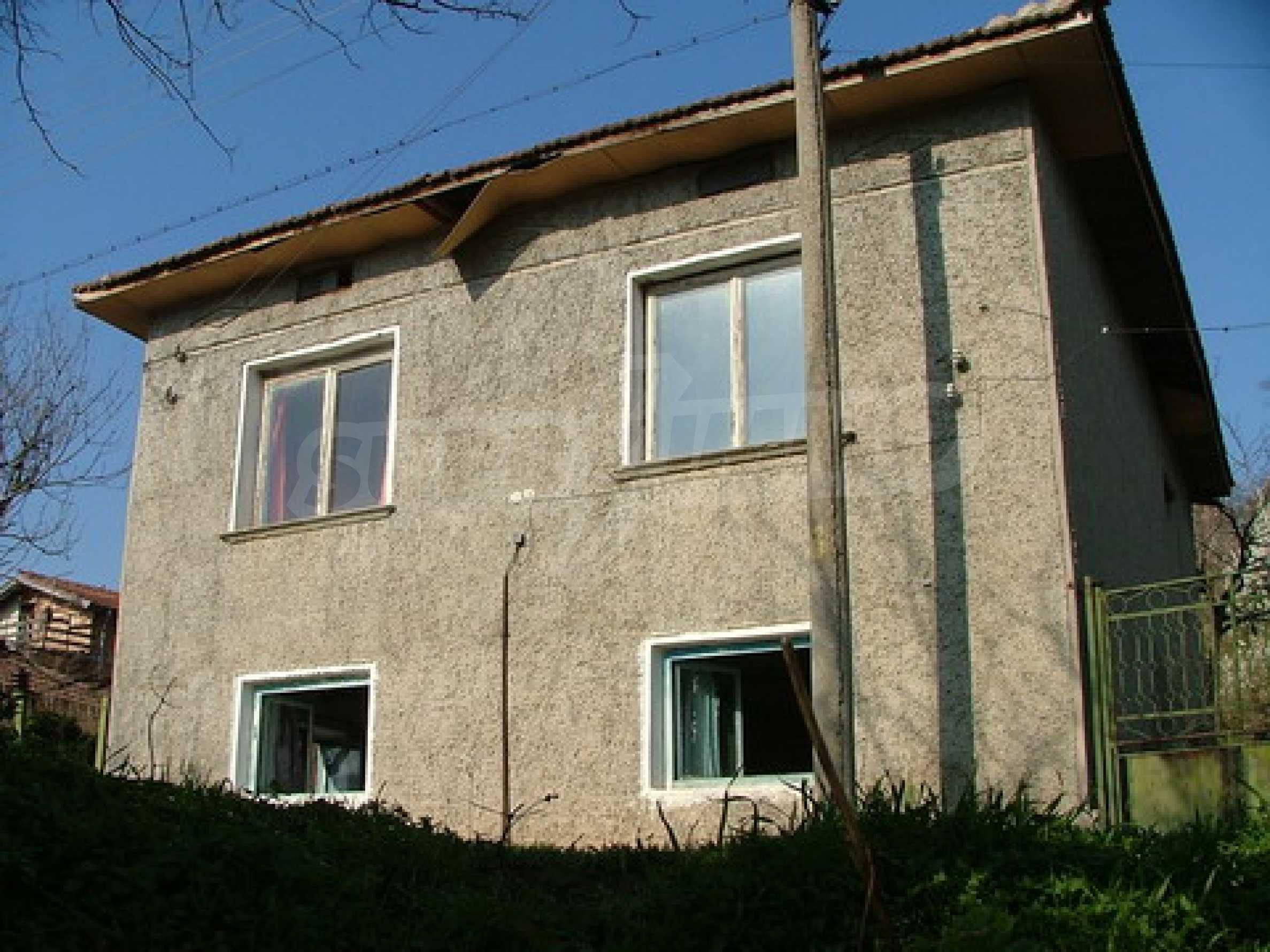 Two-storey house for repair in Dragash Voyvoda village 1