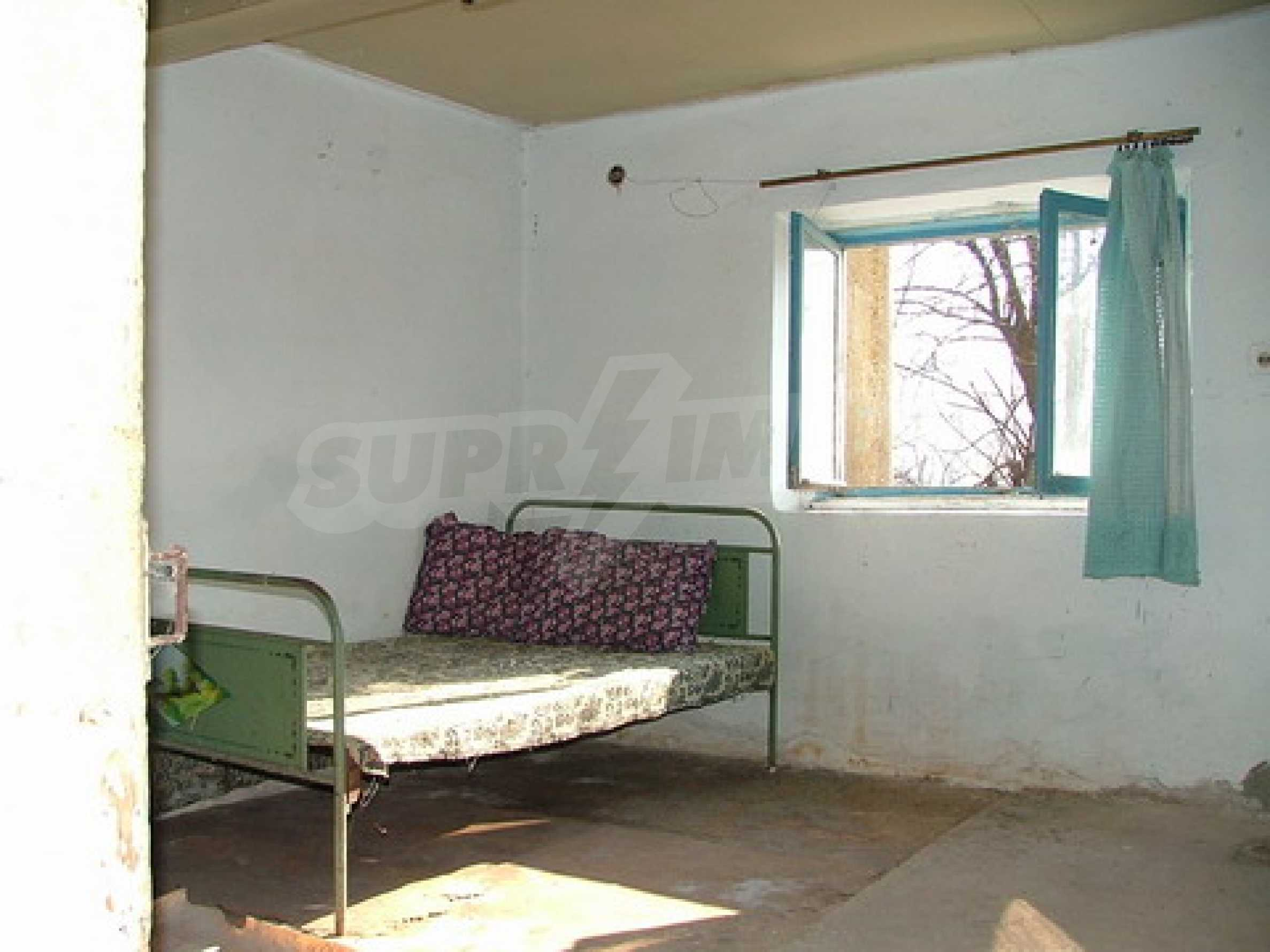 Two-storey house for repair in Dragash Voyvoda village 5