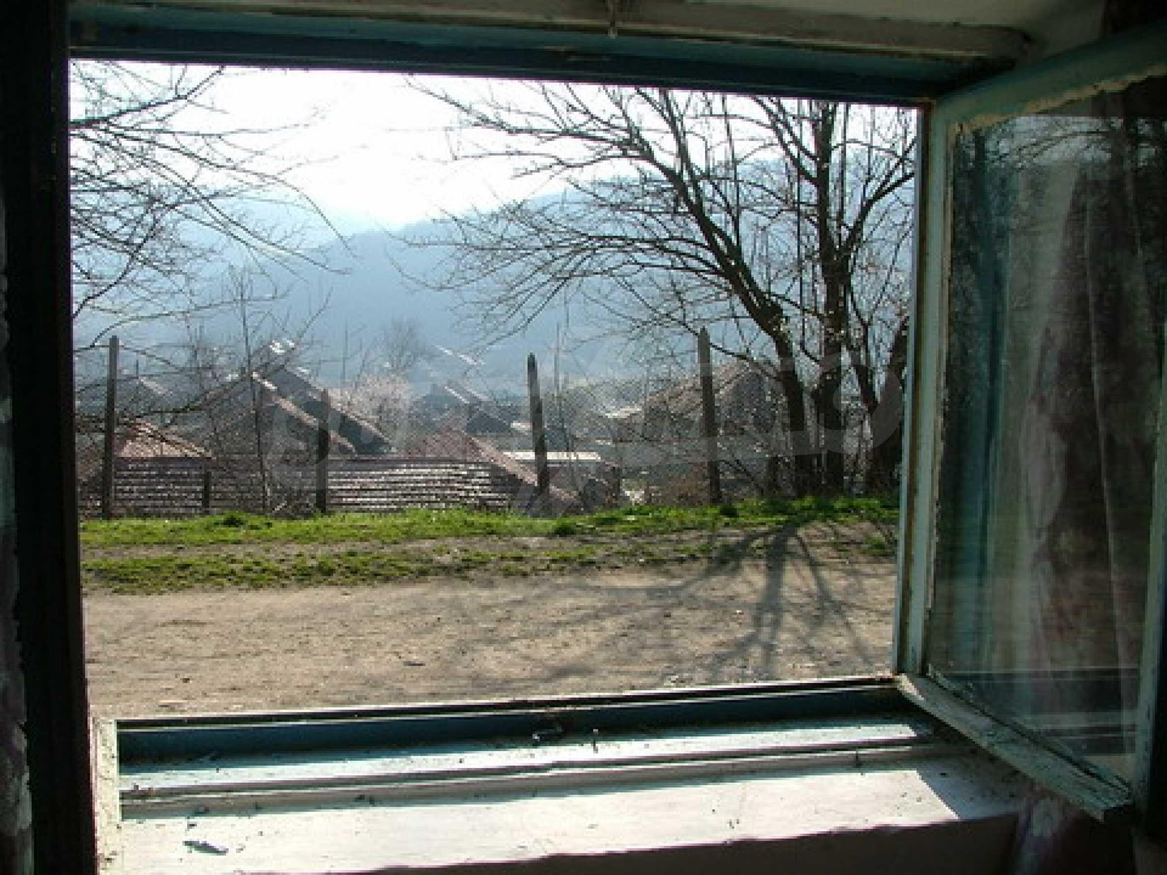 Two-storey house for repair in Dragash Voyvoda village 6