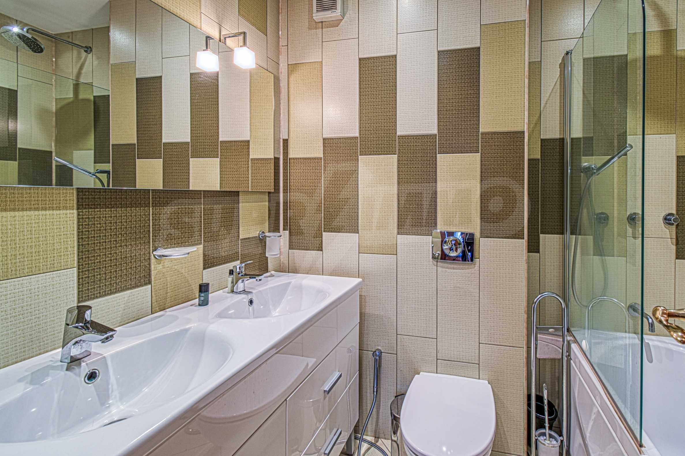 Luxurious and fully furnished two-bedroom apartment in a gated complex at the foot of Vitosha Mountain 12