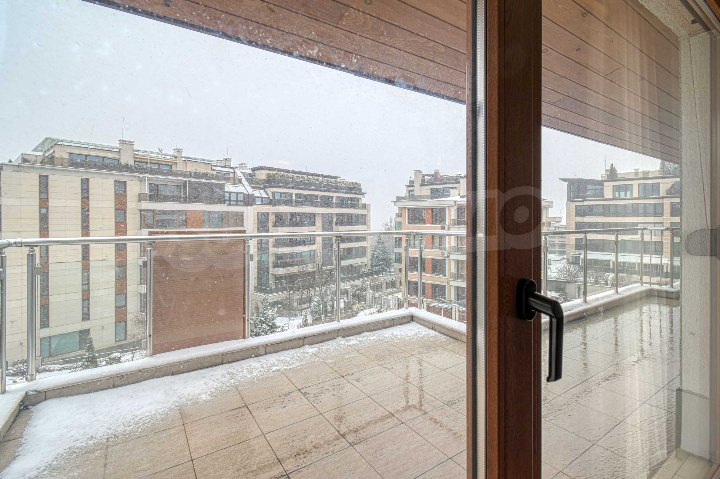Luxurious and fully furnished two-bedroom apartment in a gated complex at the foot of Vitosha Mountain 6