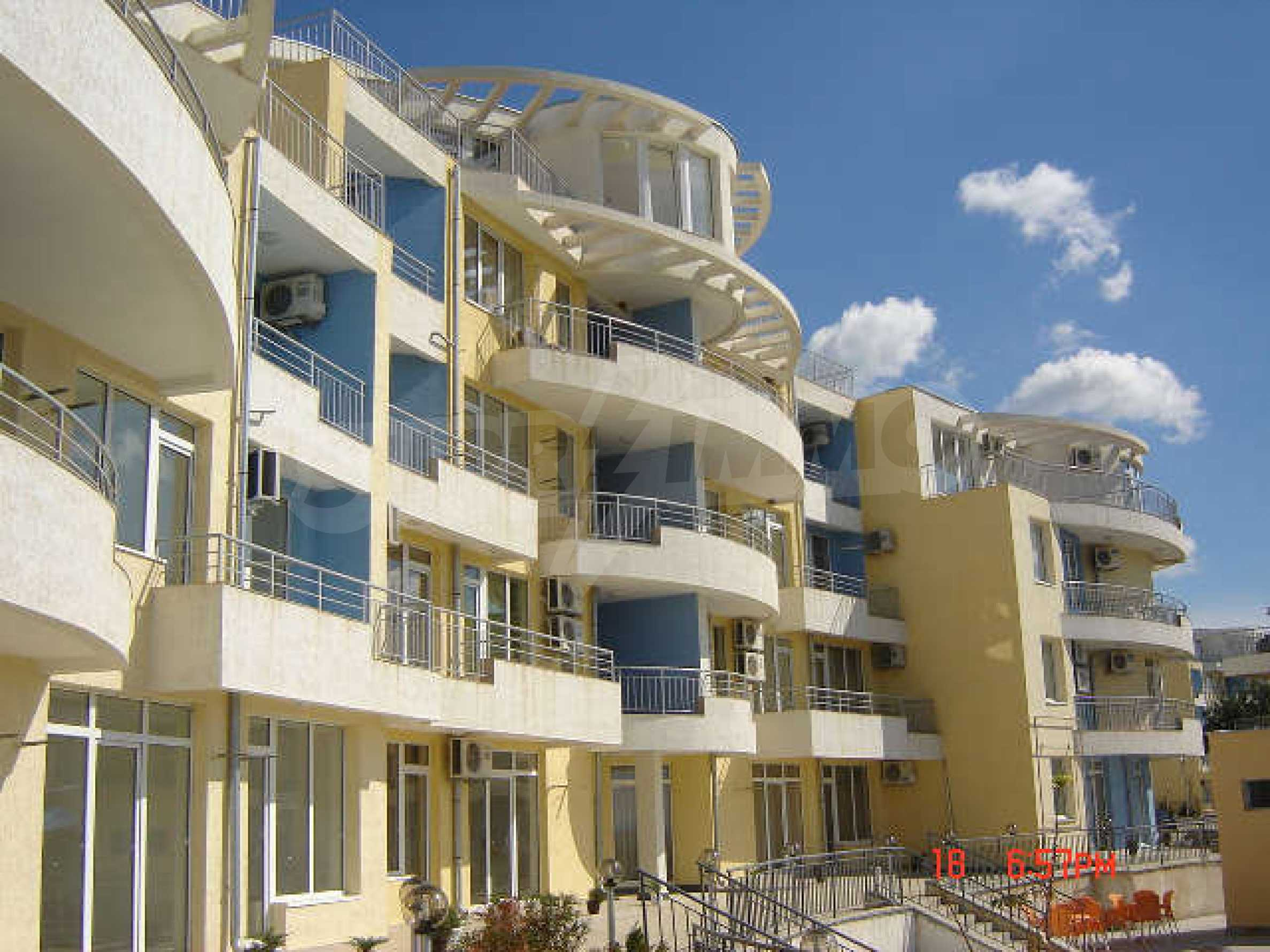 One-bedroom apartment in Sunset Apartments 1 in Kosharitsa 2
