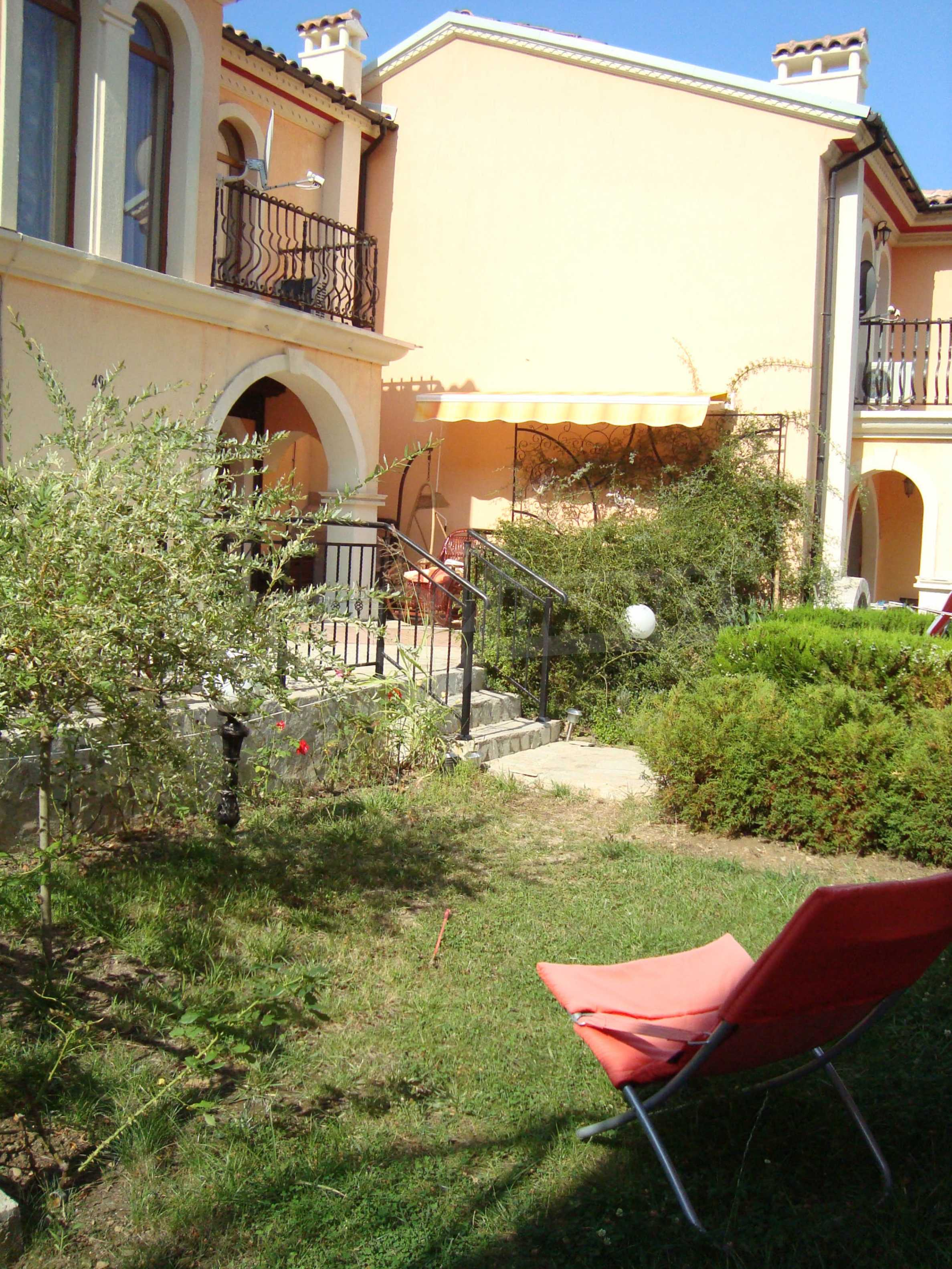 2-storey villa for sale in villa zone Elenite 3