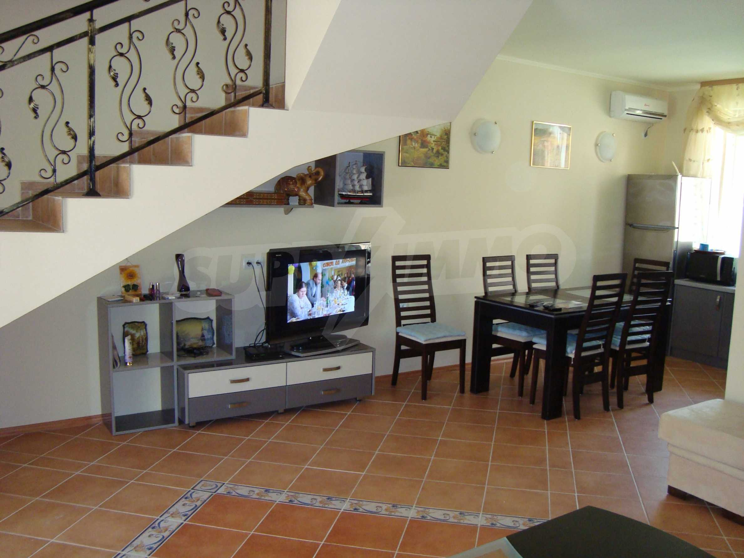2-storey villa for sale in villa zone Elenite 8