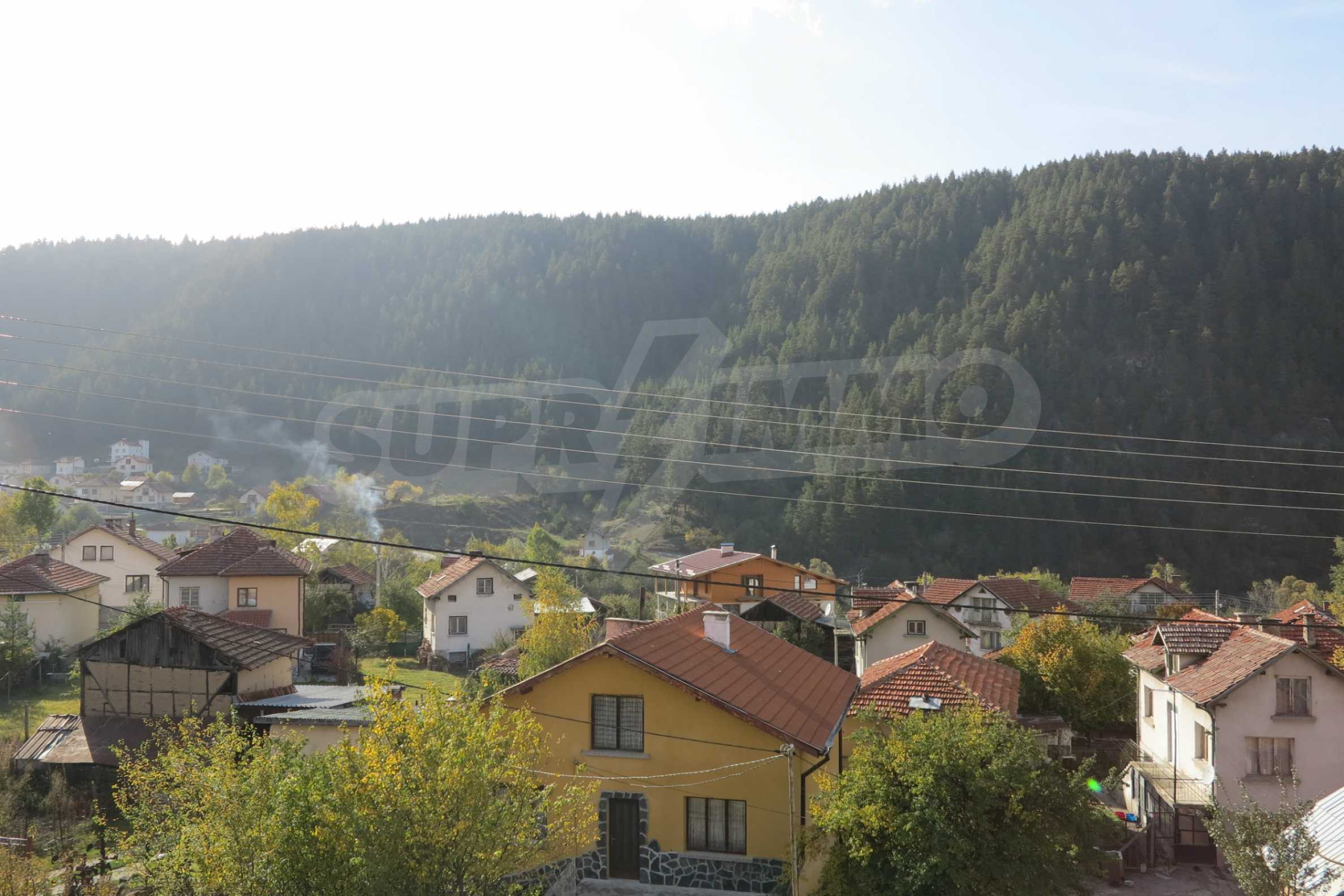 Big house with restaurant near the ski resort of Borovets 6