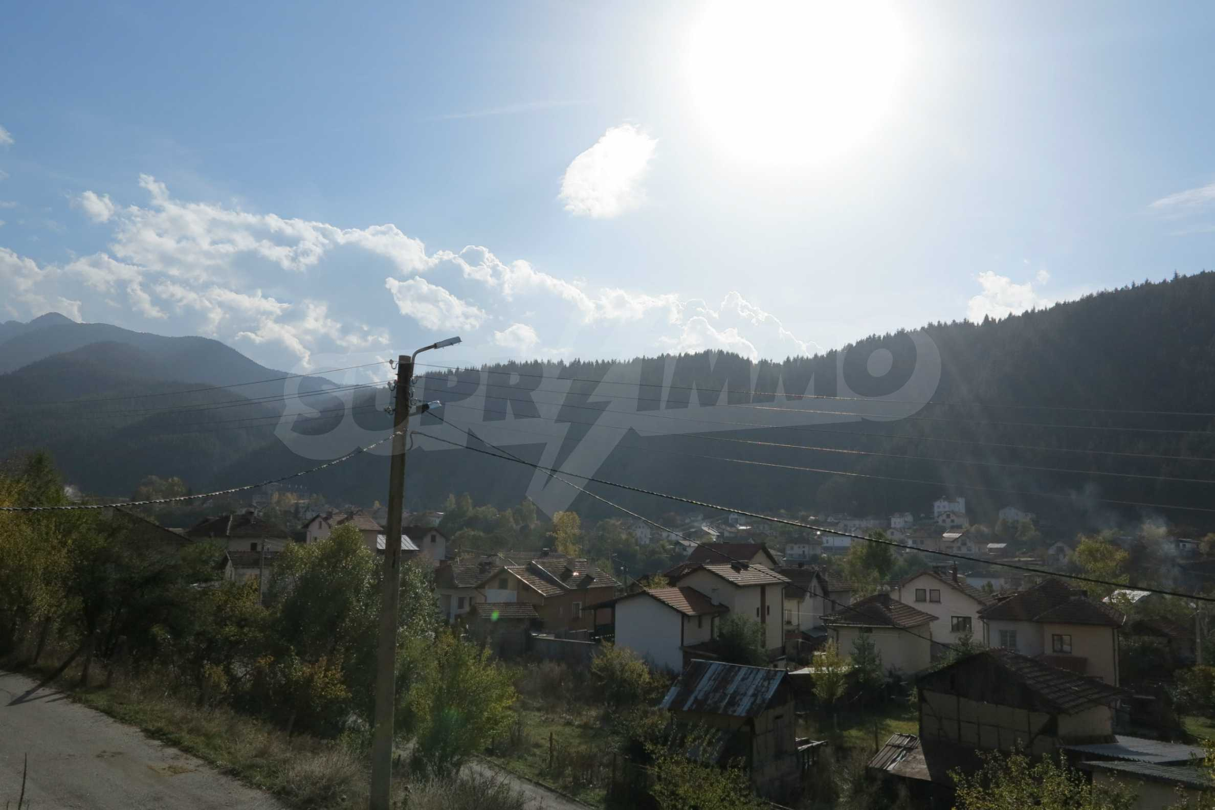 Big house with restaurant near the ski resort of Borovets 7