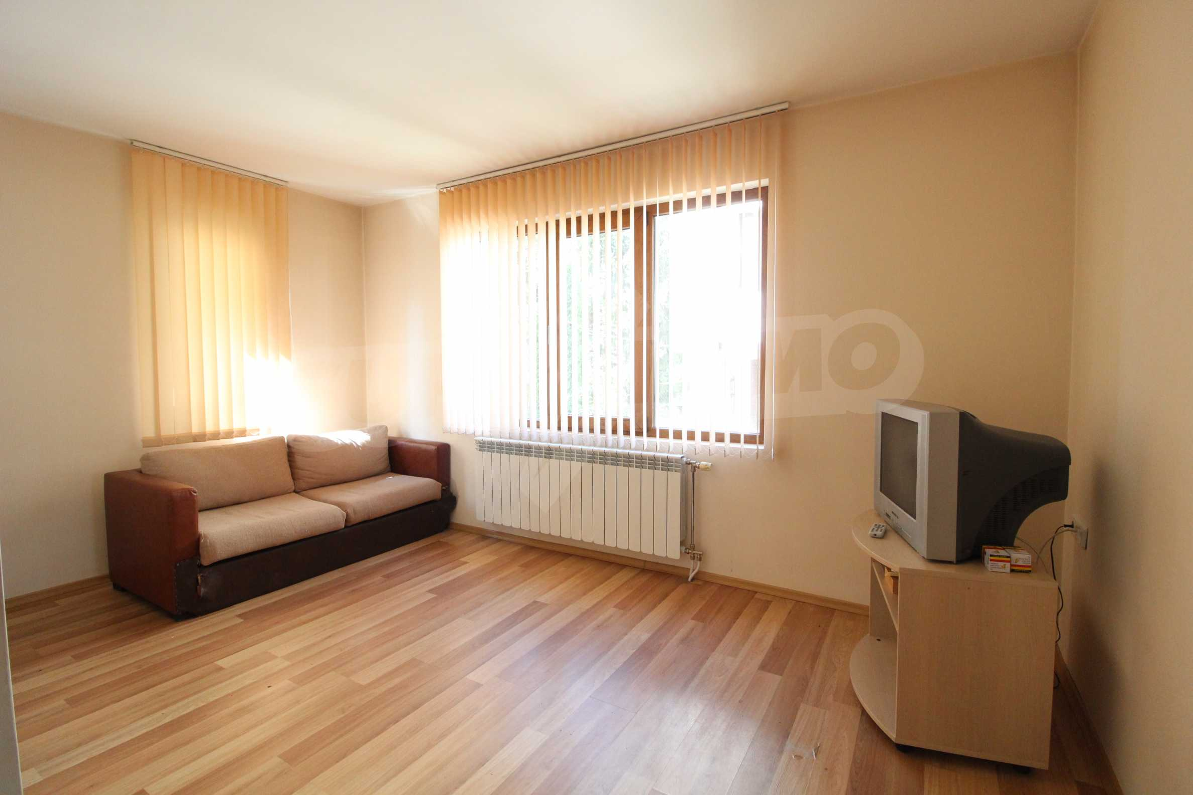Fully furnished and equipped two-level apartment near the center of Bansko ski resort 2