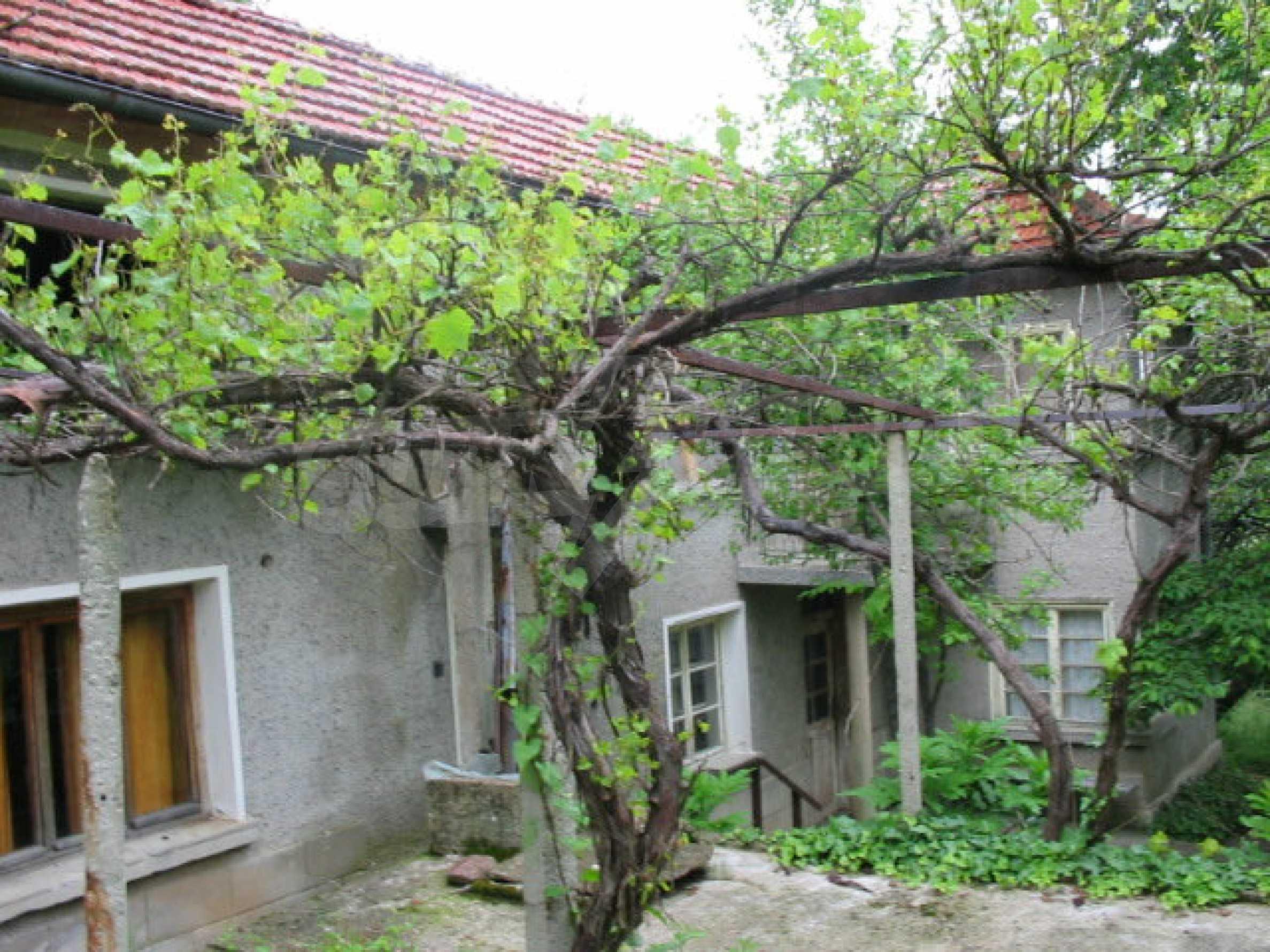 Zweistöckiges Haus mit großem Garten in einem malerischen Dorf 10 km. aus der Stadt Gabrovo 24