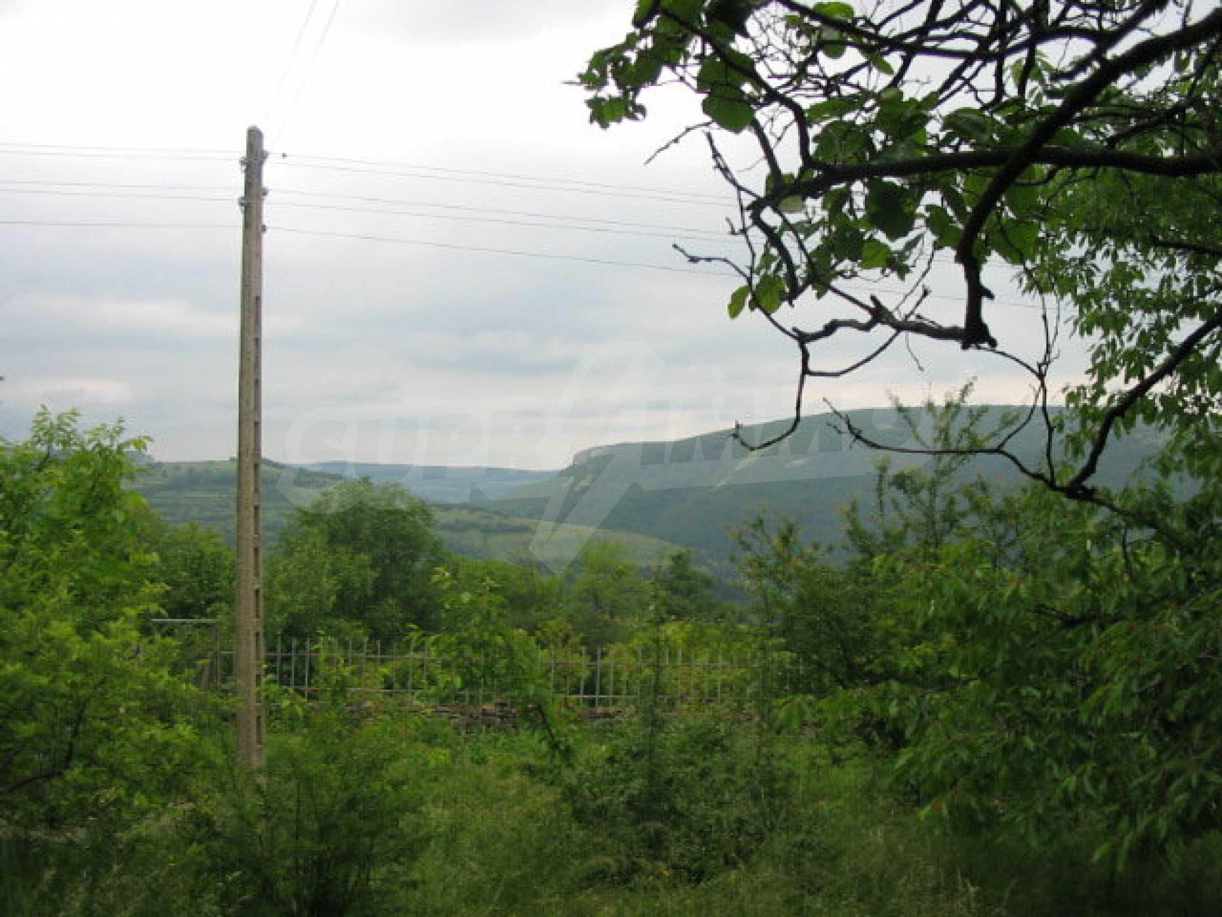 Zweistöckiges Haus mit großem Garten in einem malerischen Dorf 10 km. aus der Stadt Gabrovo 36
