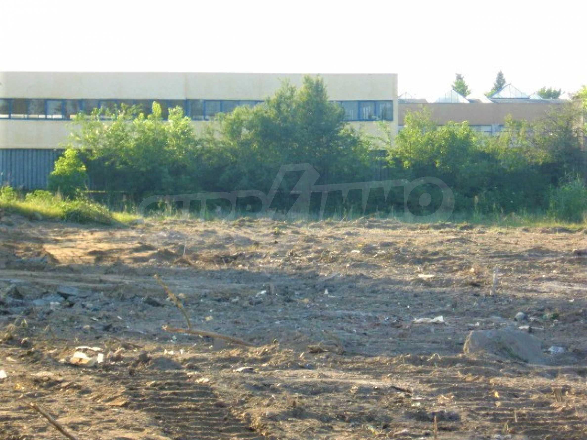 Участок под промышленное строительство в Южной индустриальной зоне г. Видин 7