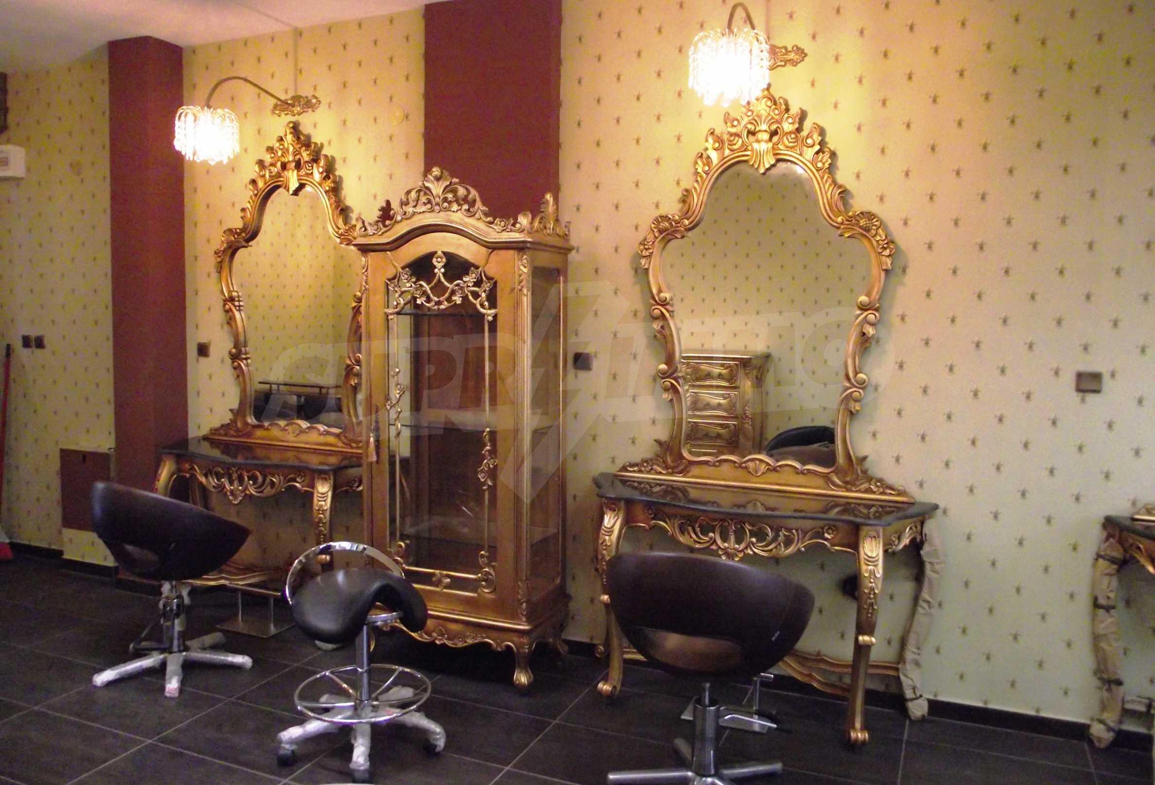Обзаведен и оборудван салон за красота в центъра на столицата 4