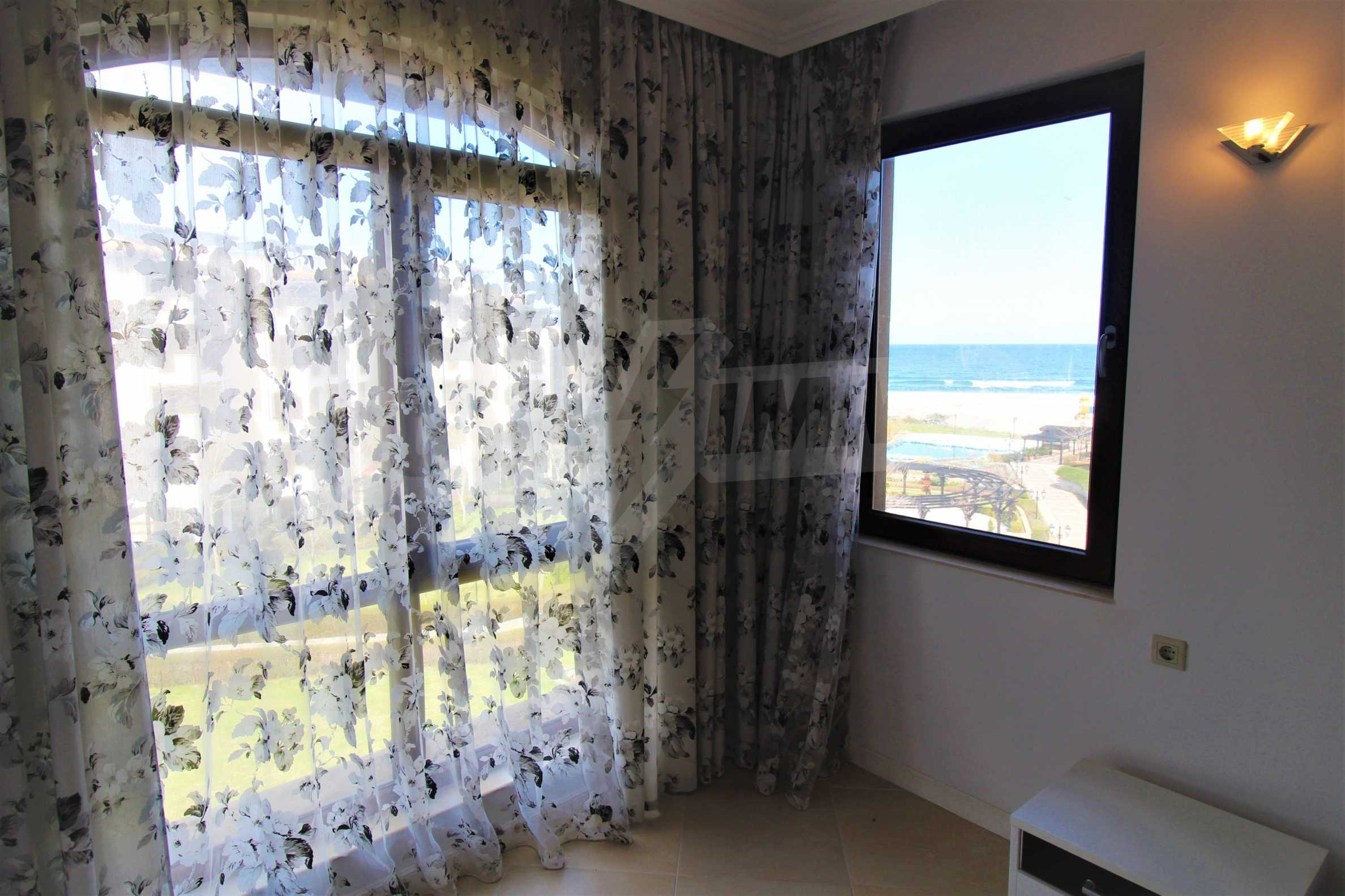 One-bedroom apartment in an elite complex on Oasis beach 14