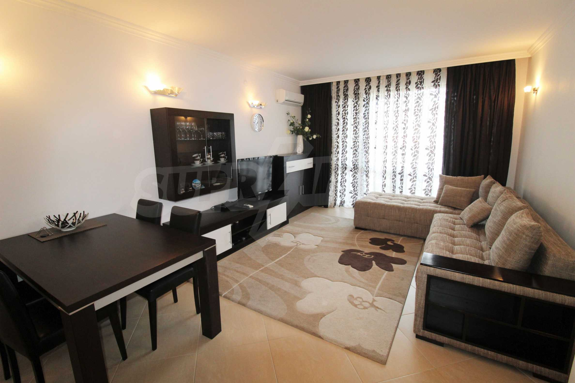 One-bedroom apartment in an elite complex on Oasis beach 7