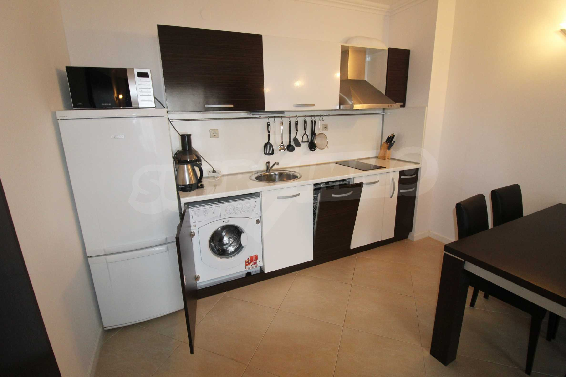 One-bedroom apartment in an elite complex on Oasis beach 8
