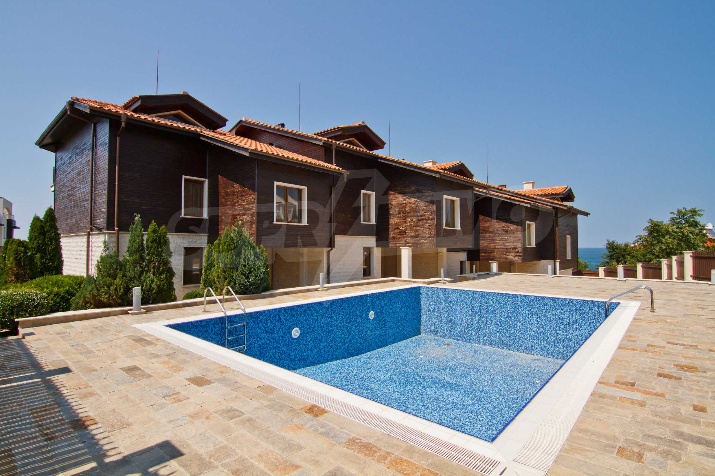 Complex of 4 townhouses for sale in Sozopol