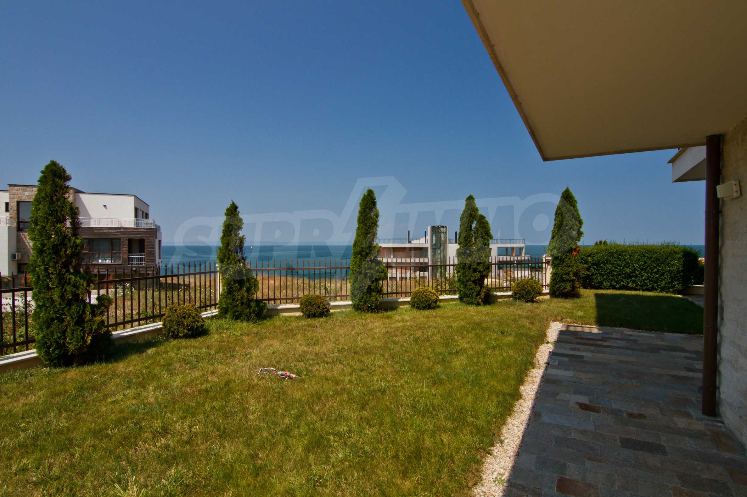 Complex of 4 townhouses for sale in Sozopol 26