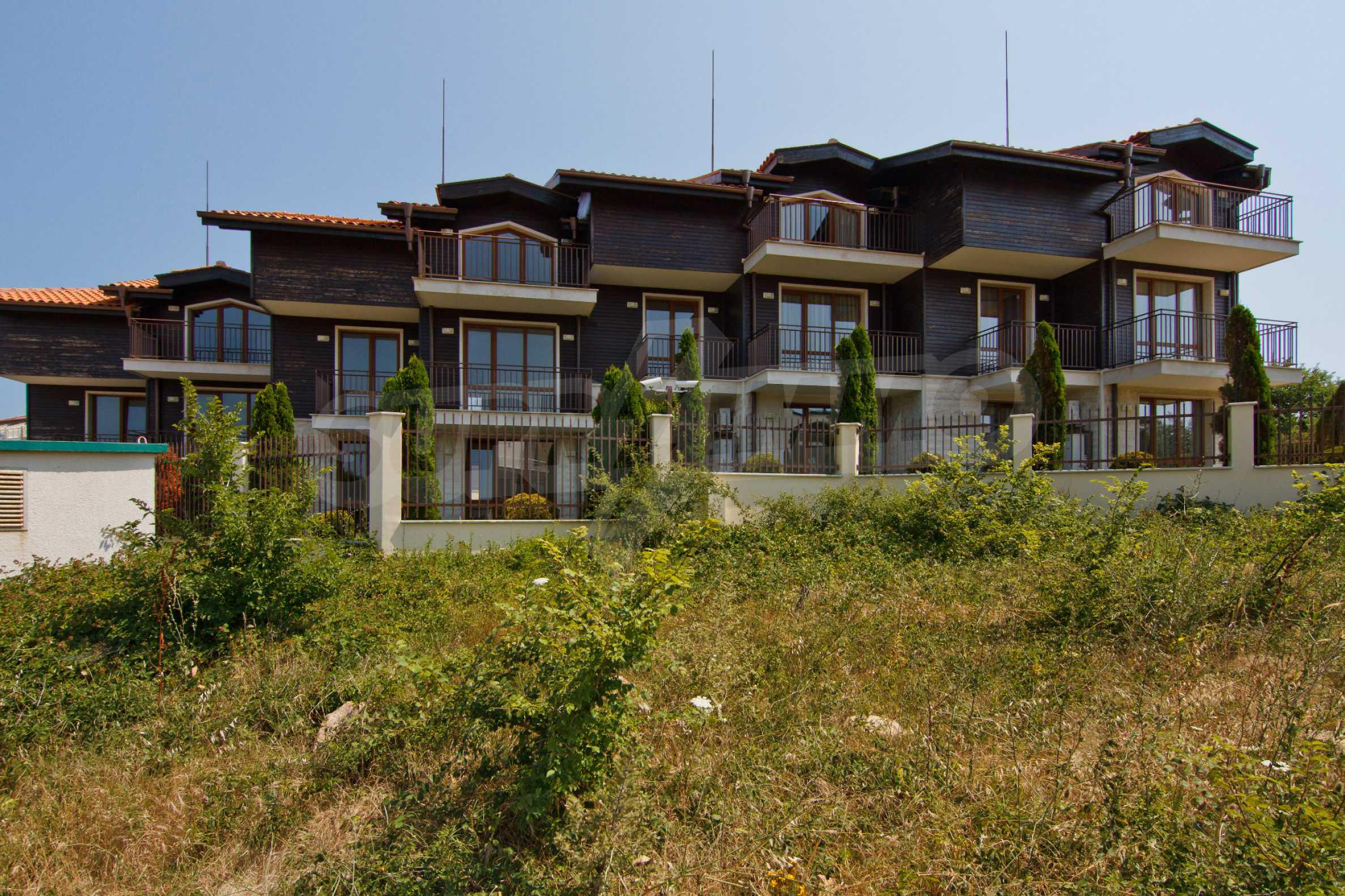 Complex of 4 townhouses for sale in Sozopol 28