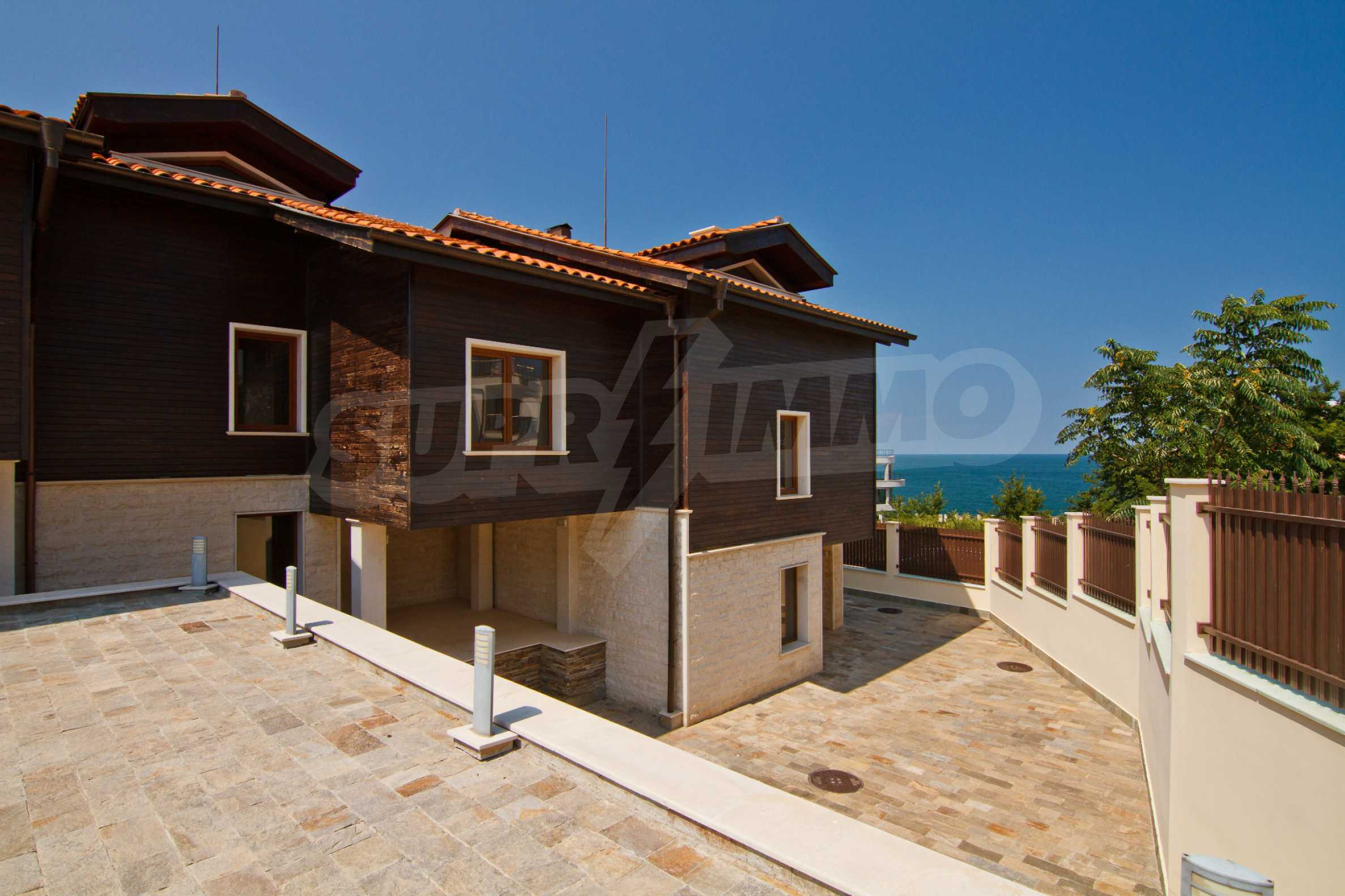 Complex of 4 townhouses for sale in Sozopol 2