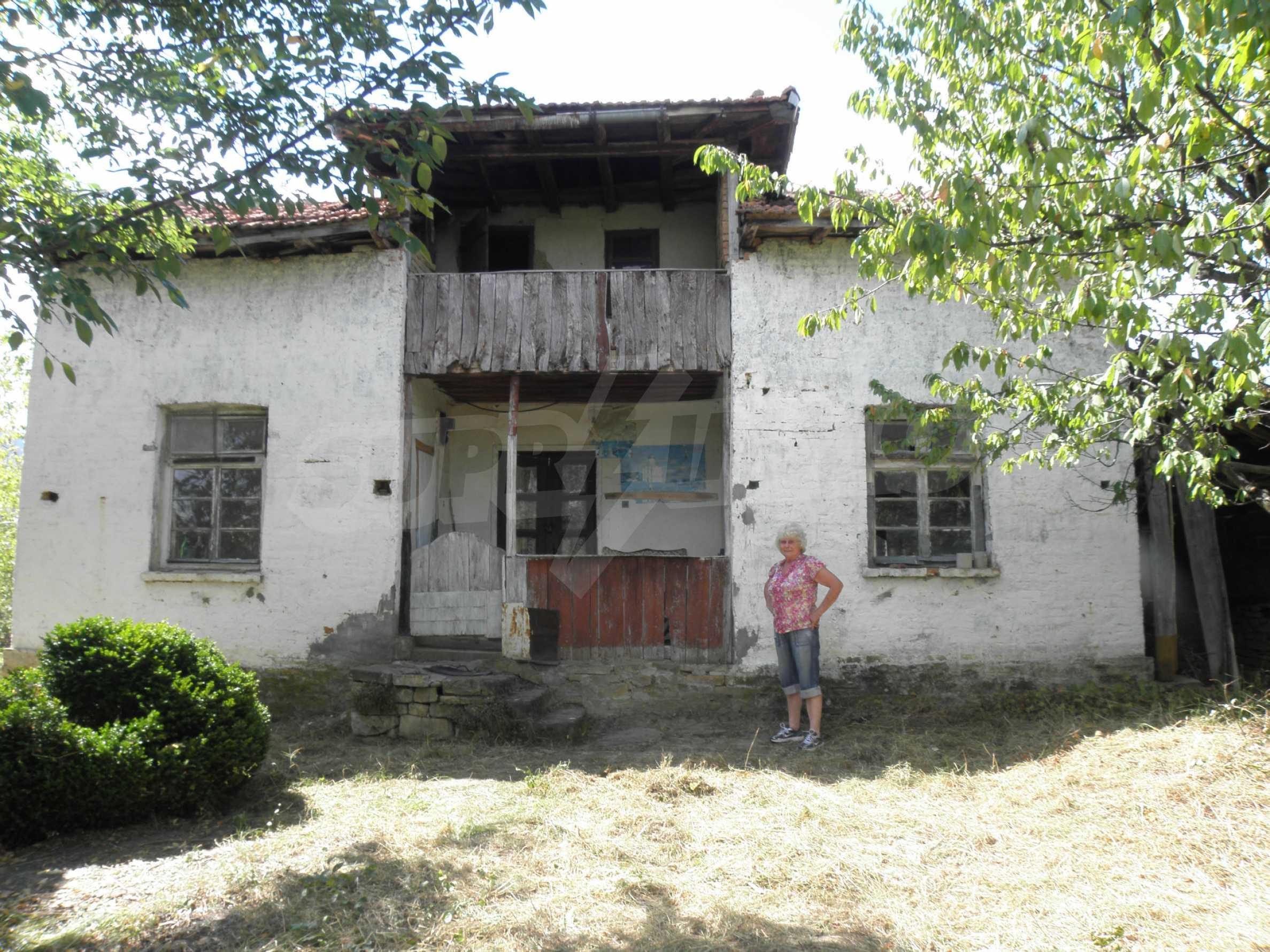 Old house in wonderful village near Sevlievo 3