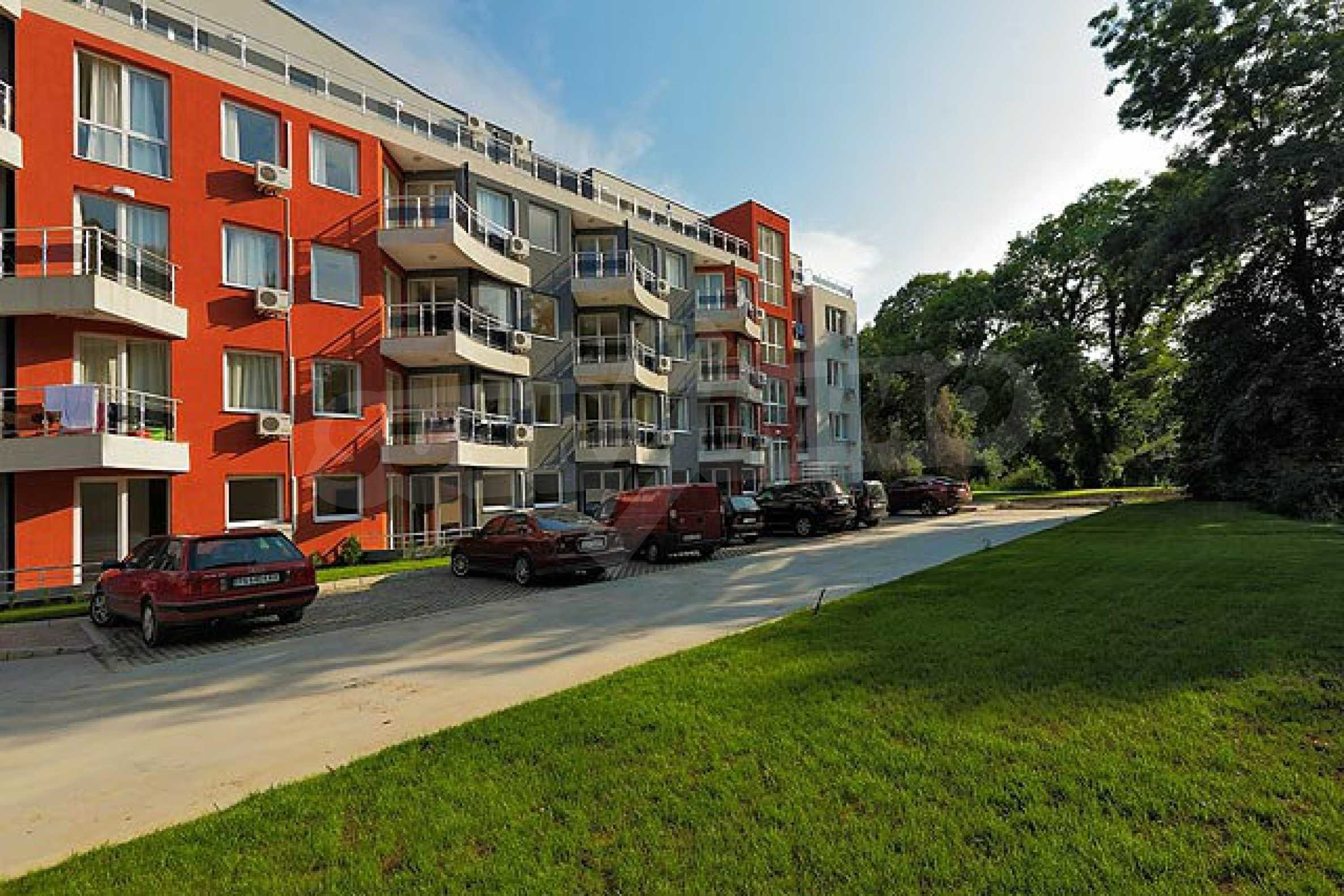 One-bedroom apartment in Emberli complex in Lozenets 18