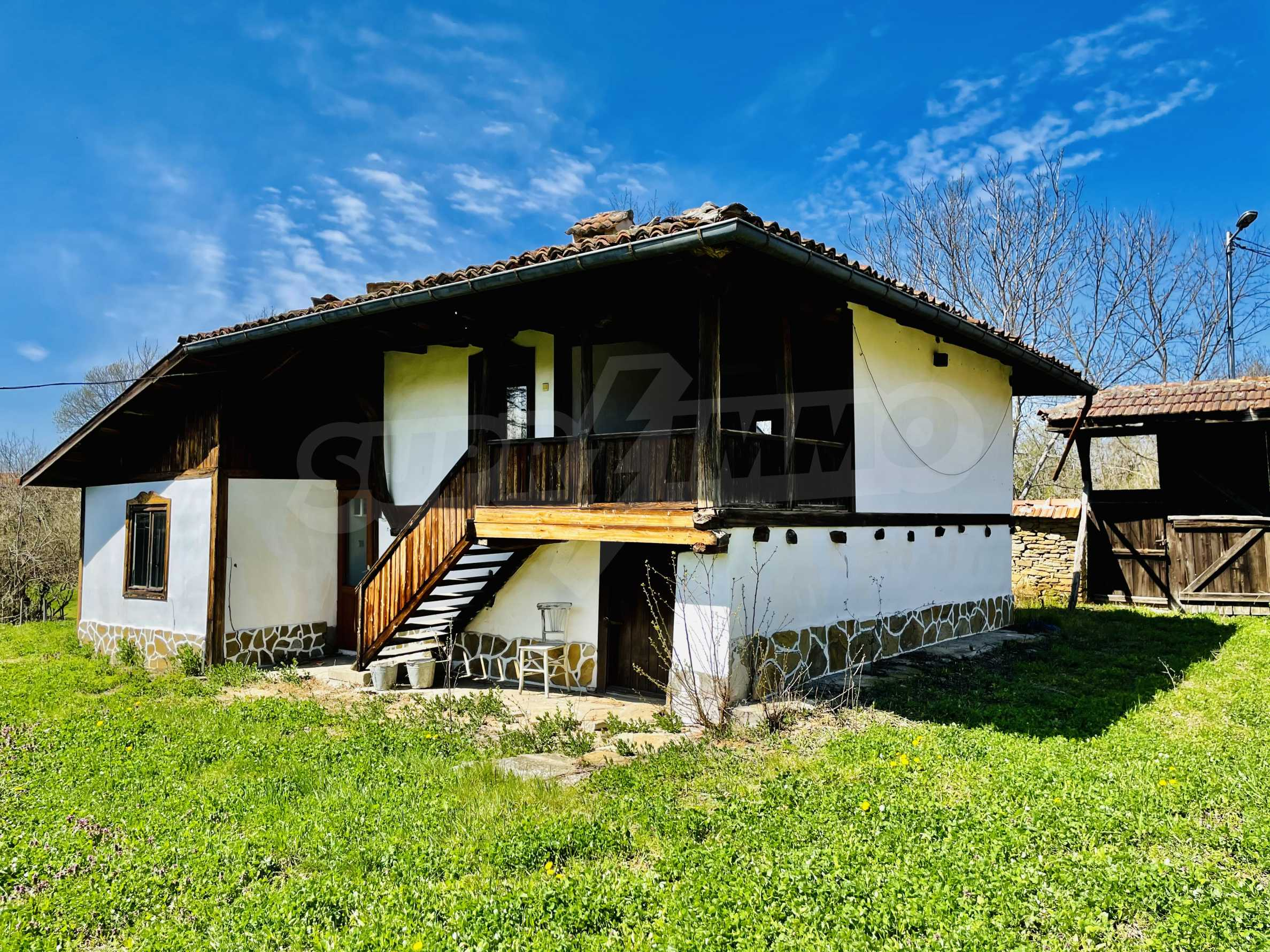 Two houses in a large yard only 15 km from Veliko Tarnovo