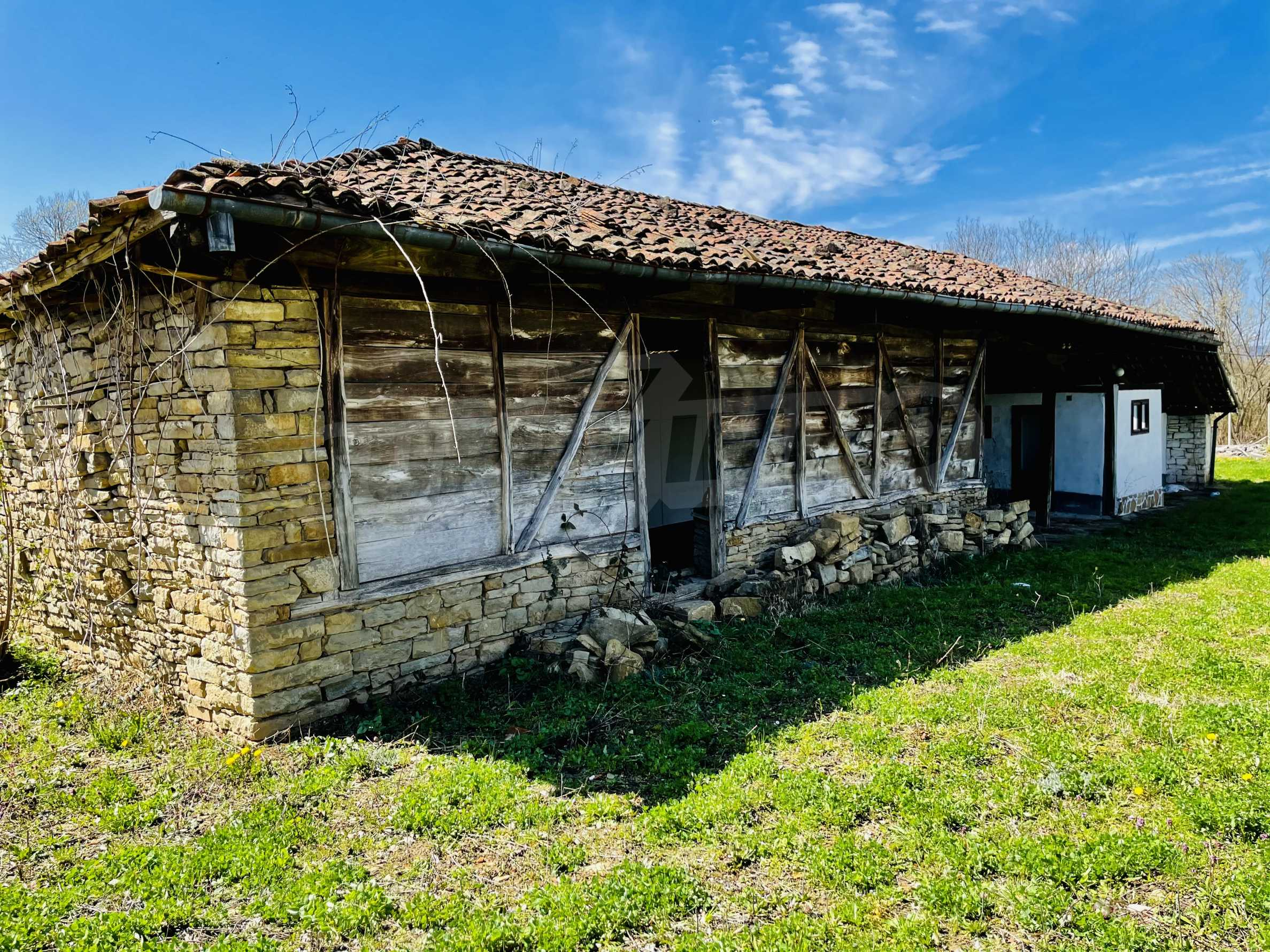 Two houses in a large yard only 15 km from Veliko Tarnovo 10