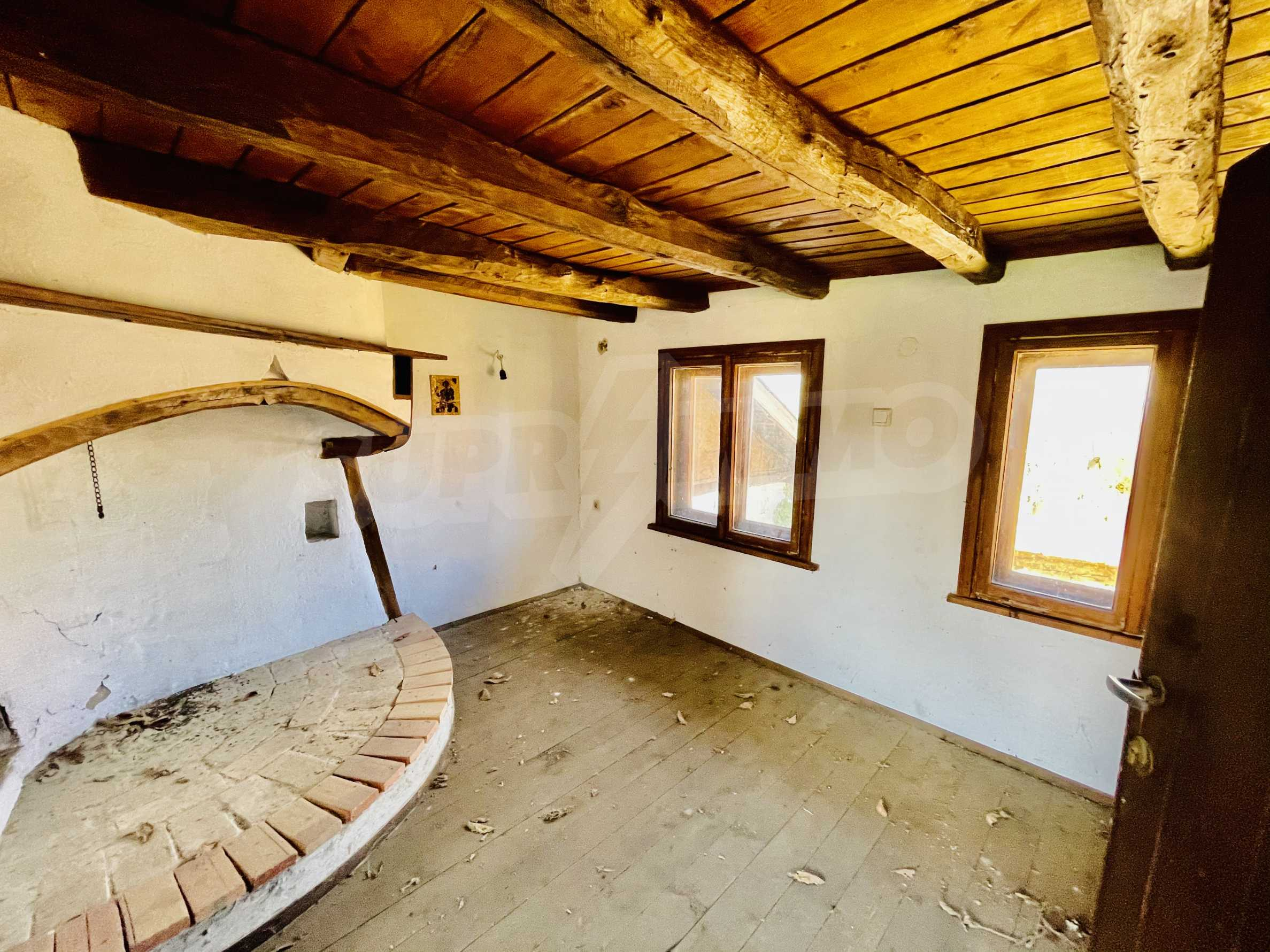 Two houses in a large yard only 15 km from Veliko Tarnovo 13