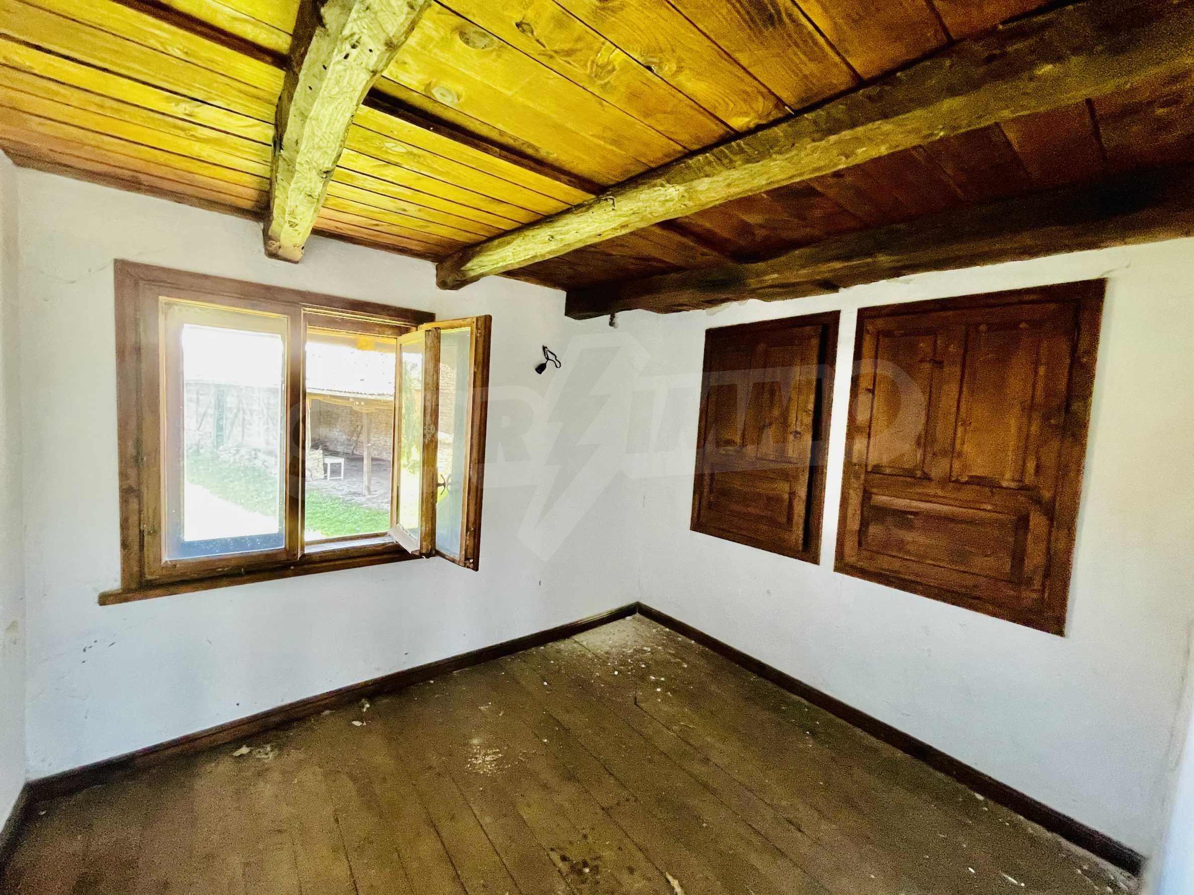 Two houses in a large yard only 15 km from Veliko Tarnovo 14