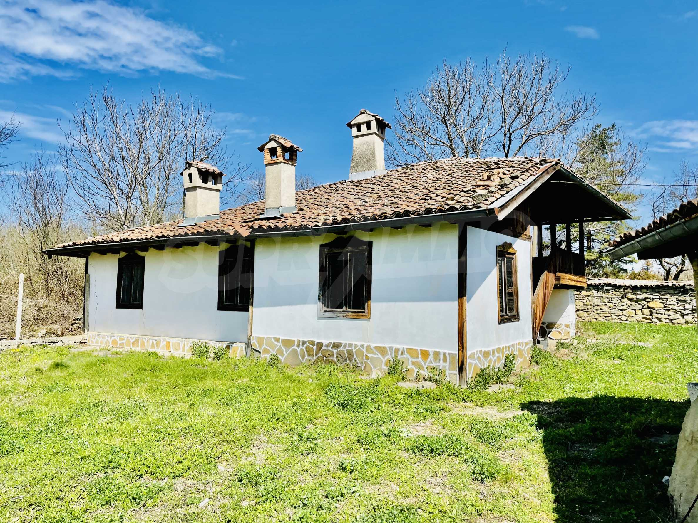 Two houses in a large yard only 15 km from Veliko Tarnovo 1