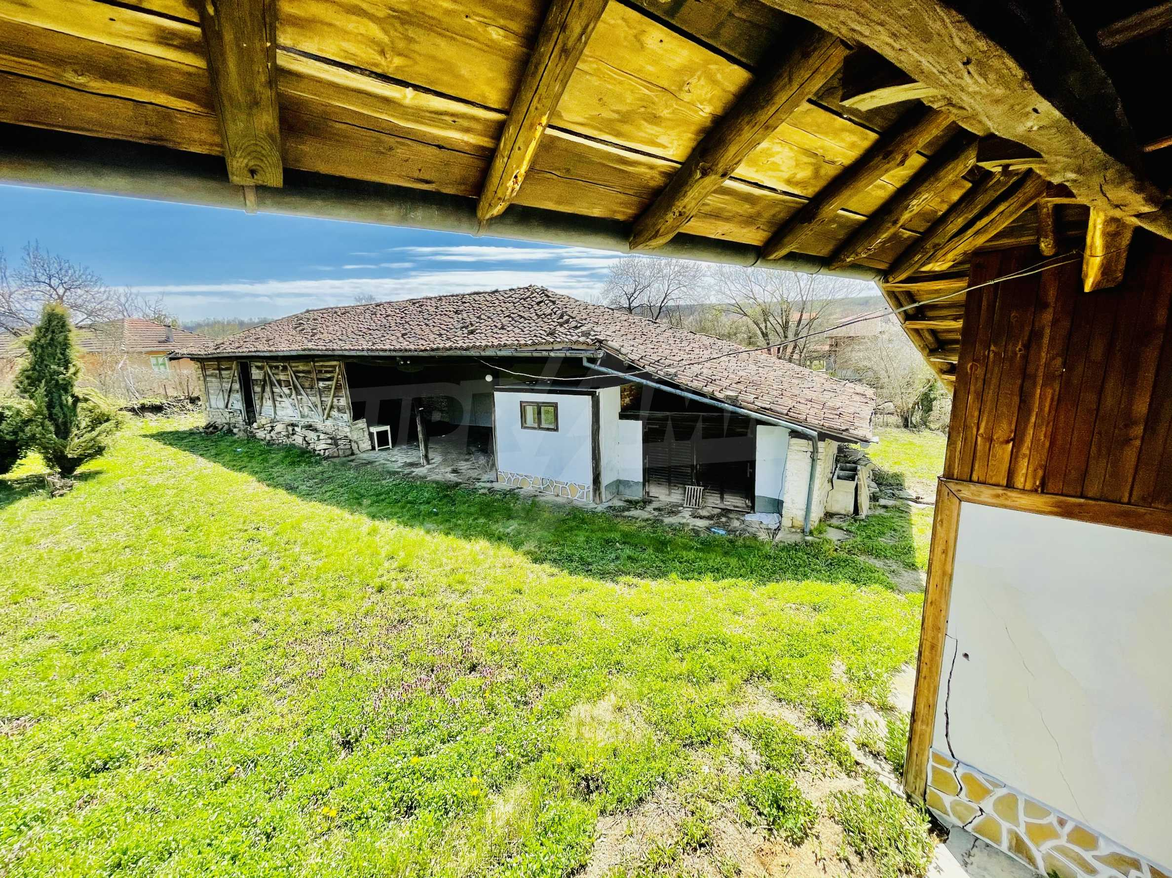 Two houses in a large yard only 15 km from Veliko Tarnovo 18