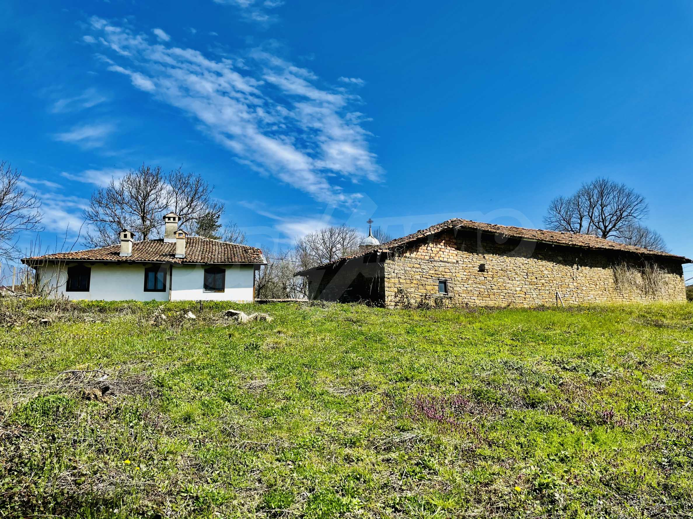 Two houses in a large yard only 15 km from Veliko Tarnovo 25