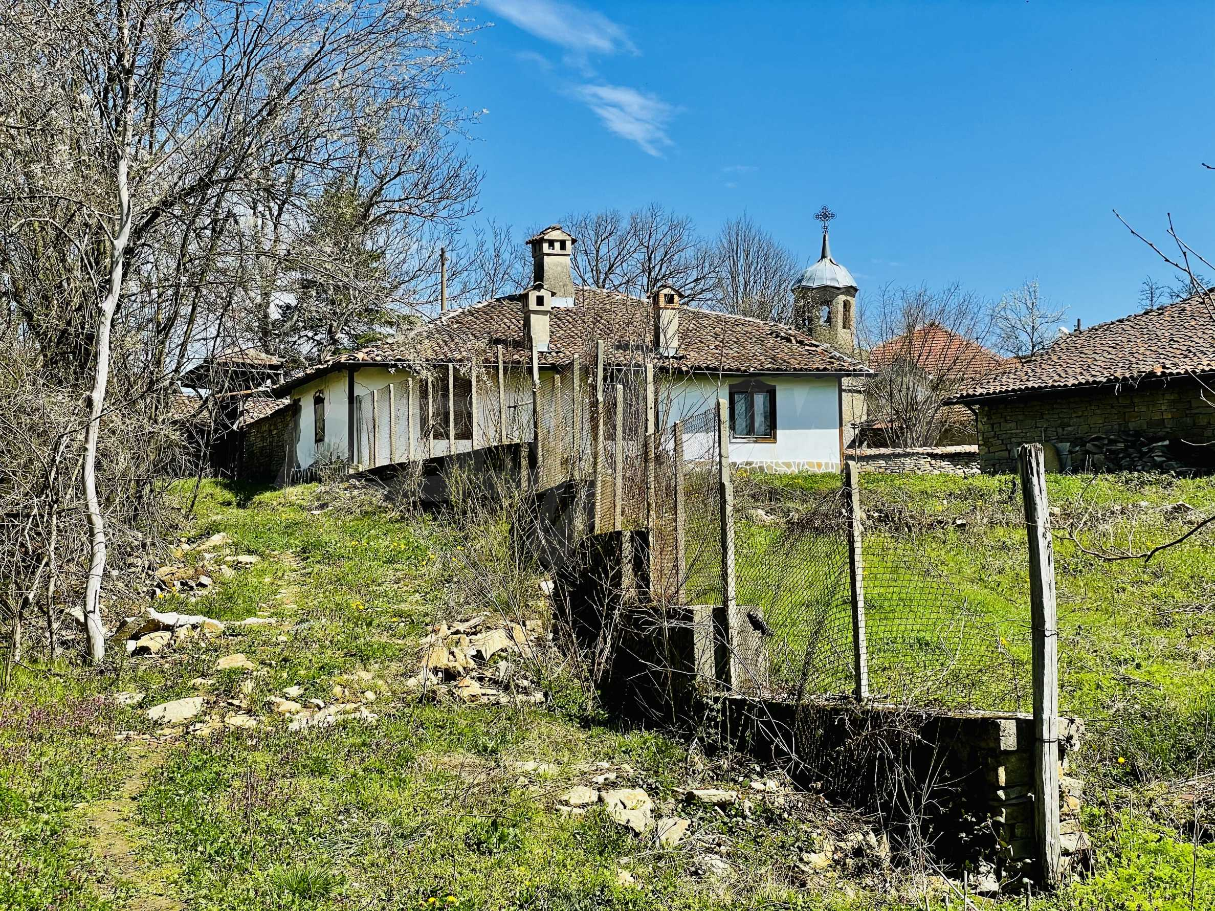 Two houses in a large yard only 15 km from Veliko Tarnovo 26