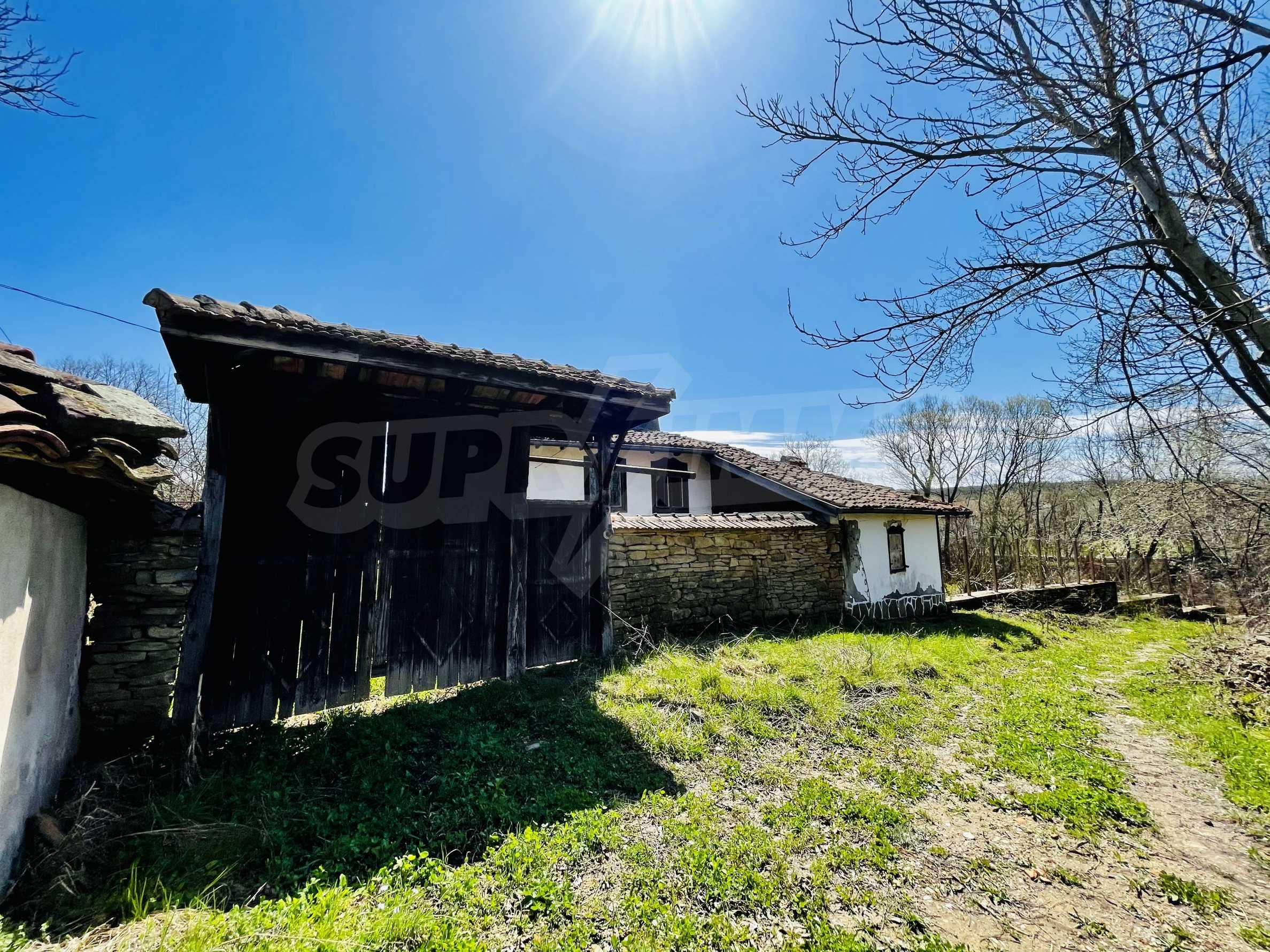 Two houses in a large yard only 15 km from Veliko Tarnovo 28