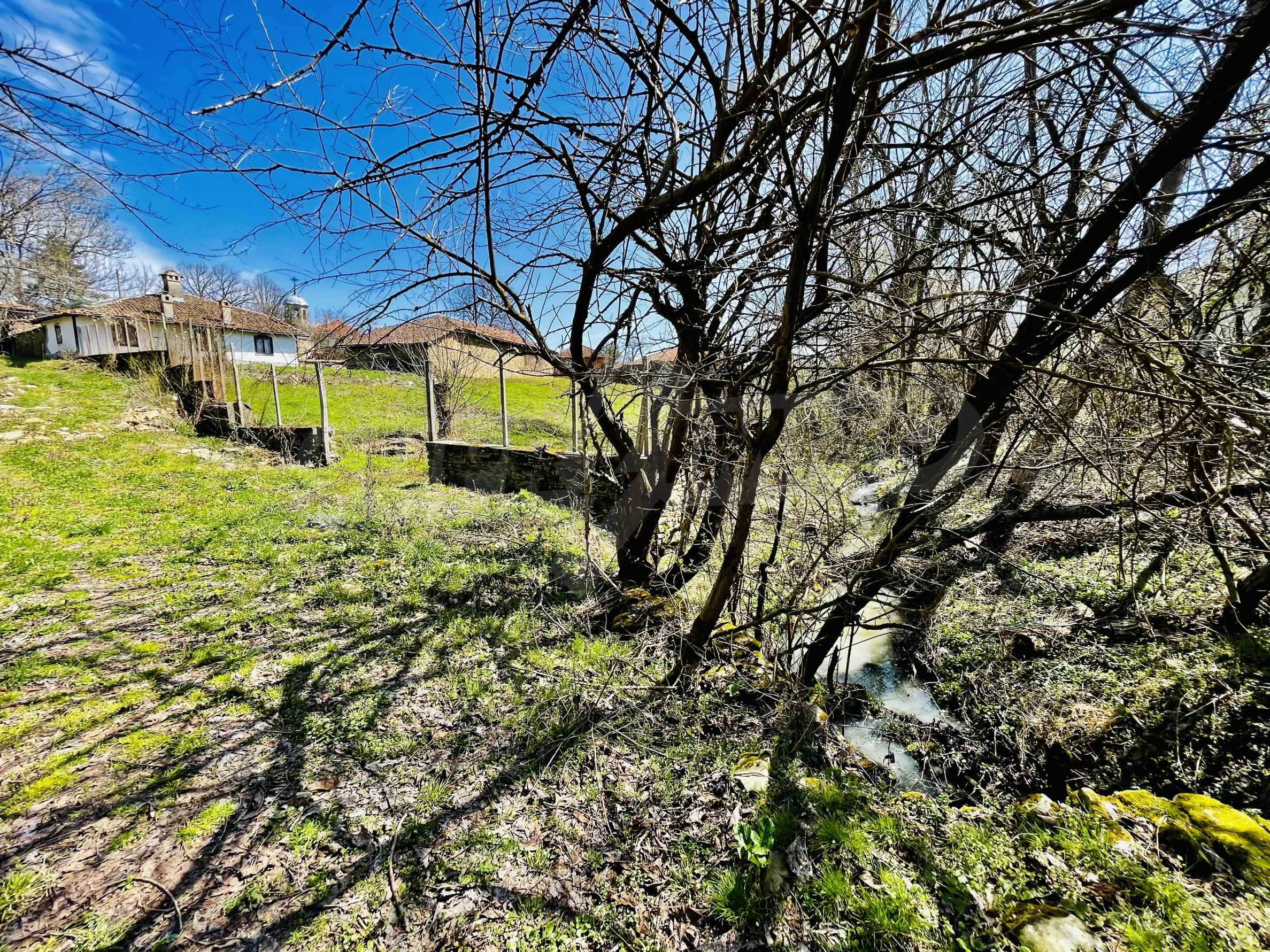 Two houses in a large yard only 15 km from Veliko Tarnovo 29
