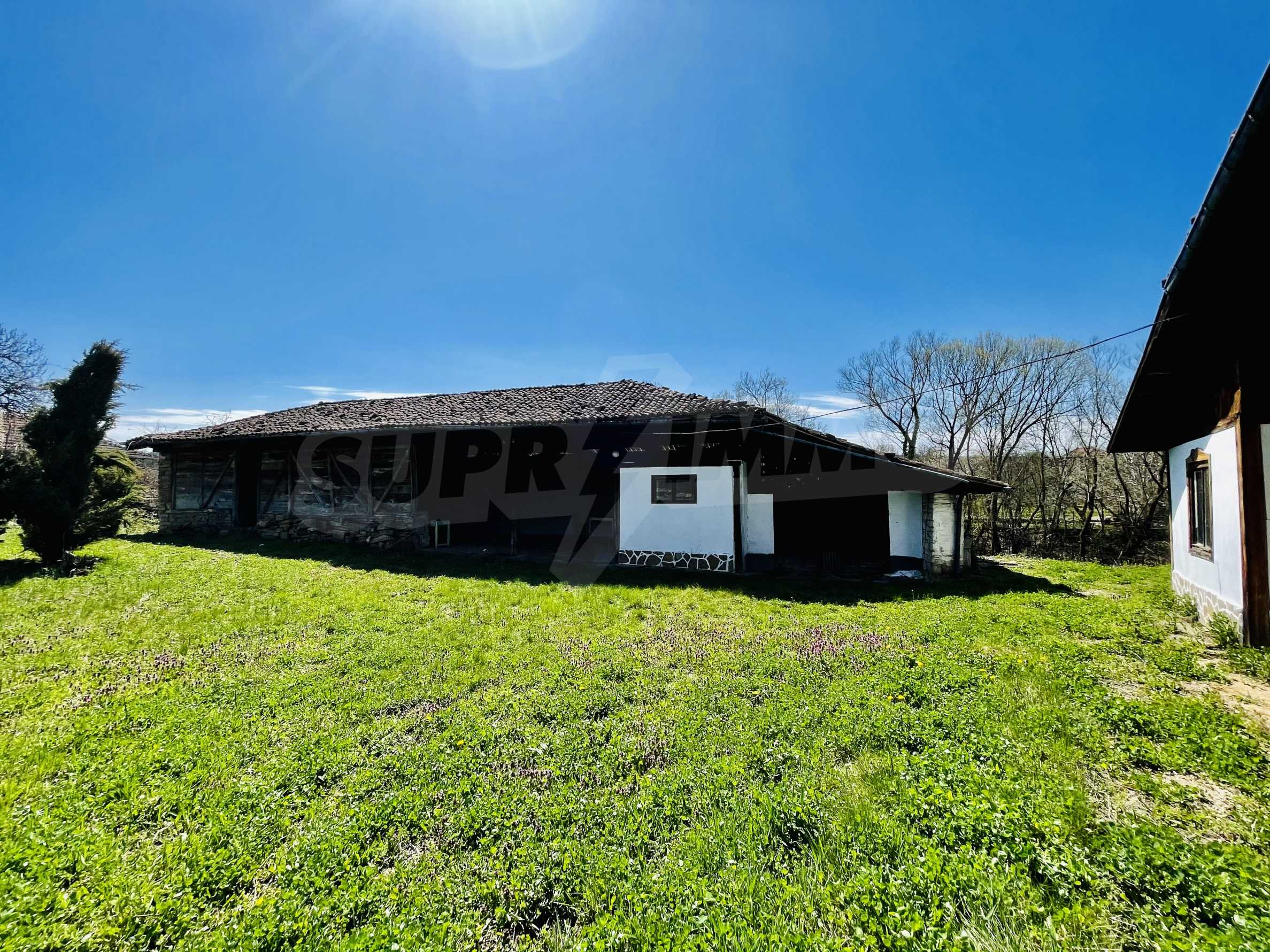 Two houses in a large yard only 15 km from Veliko Tarnovo 35