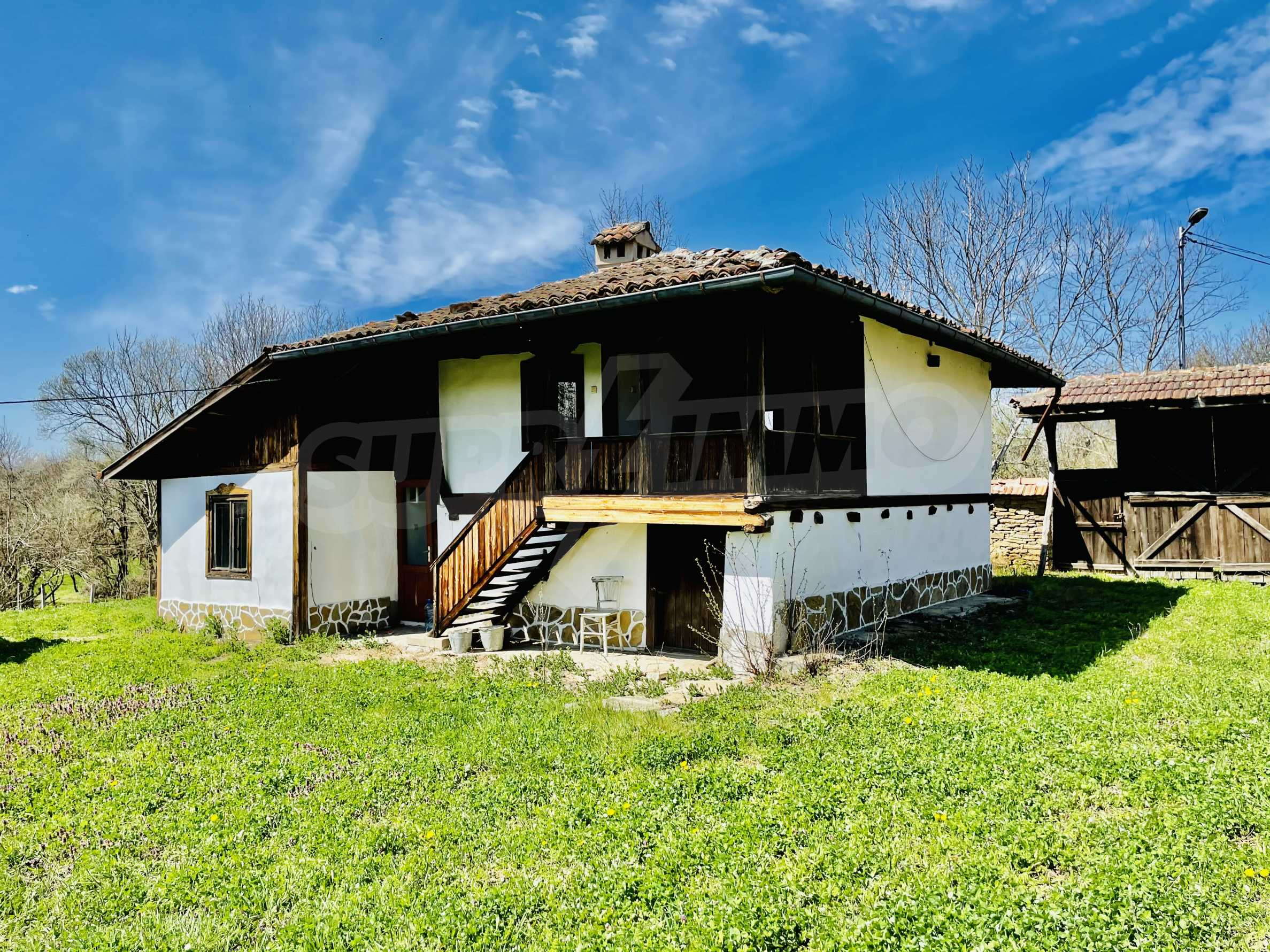 Two houses in a large yard only 15 km from Veliko Tarnovo 3